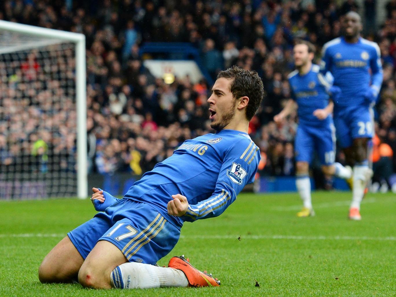 Chelsea's Belgian midfielder Eden Hazard (2nd R) celebrates after scoring his team's second goal