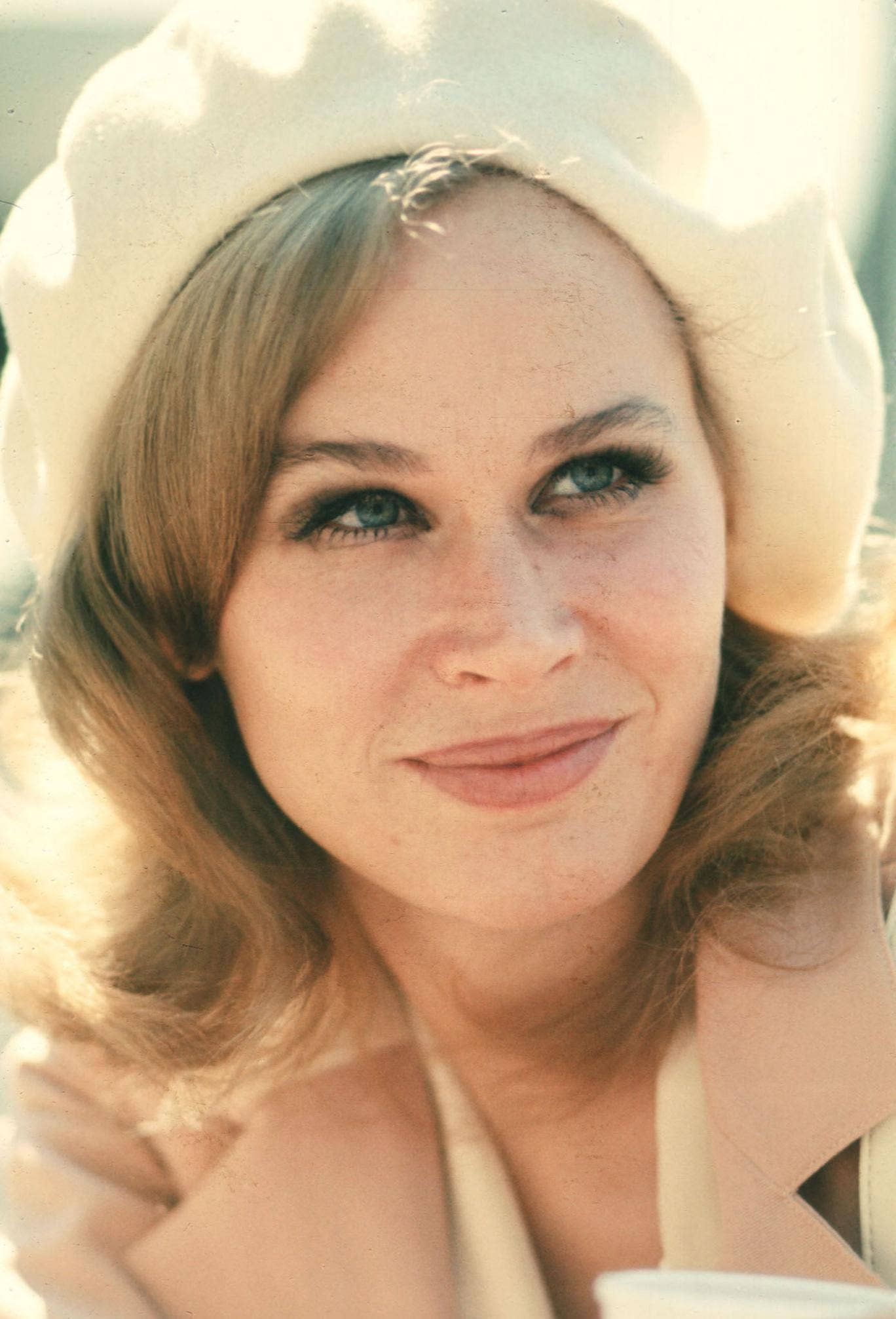 Actress Karen Black poses 1973 in USA. Black has starred in many films and received several awards and nominations throughout her acting career.