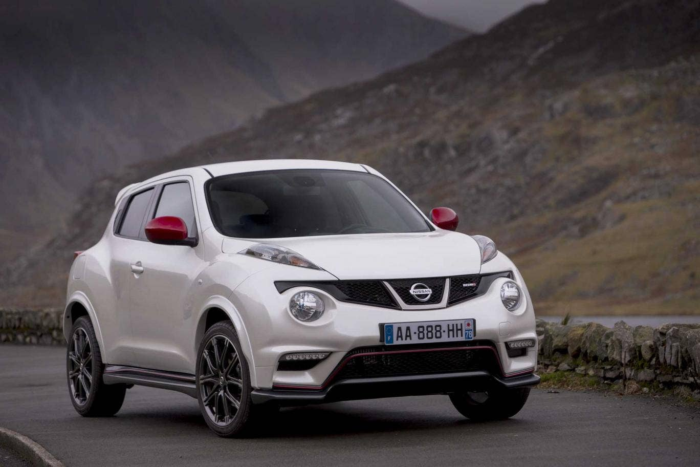 The Nismo comes across as a more complete and honed machine than a similarly equipped Juke 1.6 turbo, both to look at and to drive