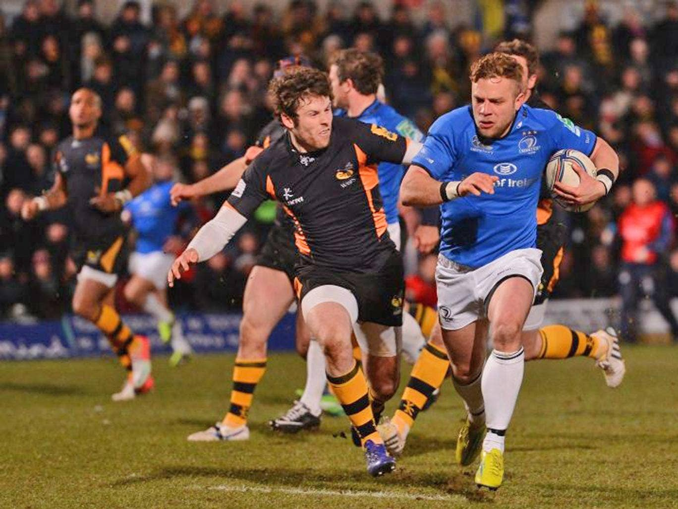 Leinster's Ian Madigan scores his one try in a total of 28 points