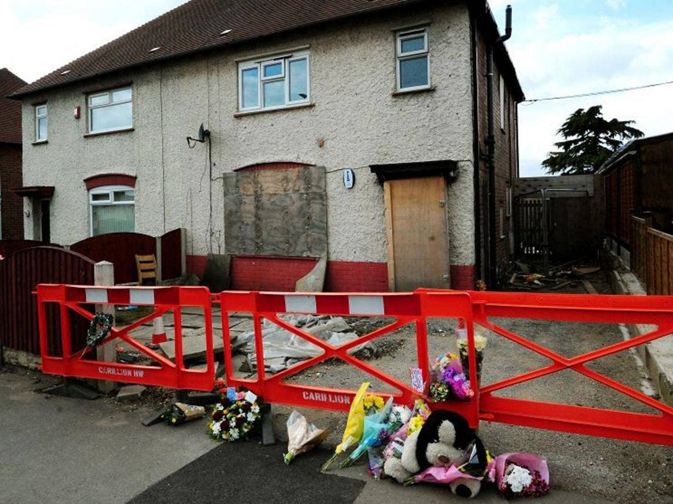 This house - in which Mick Philpott killed six of his 17 children - well be demolished