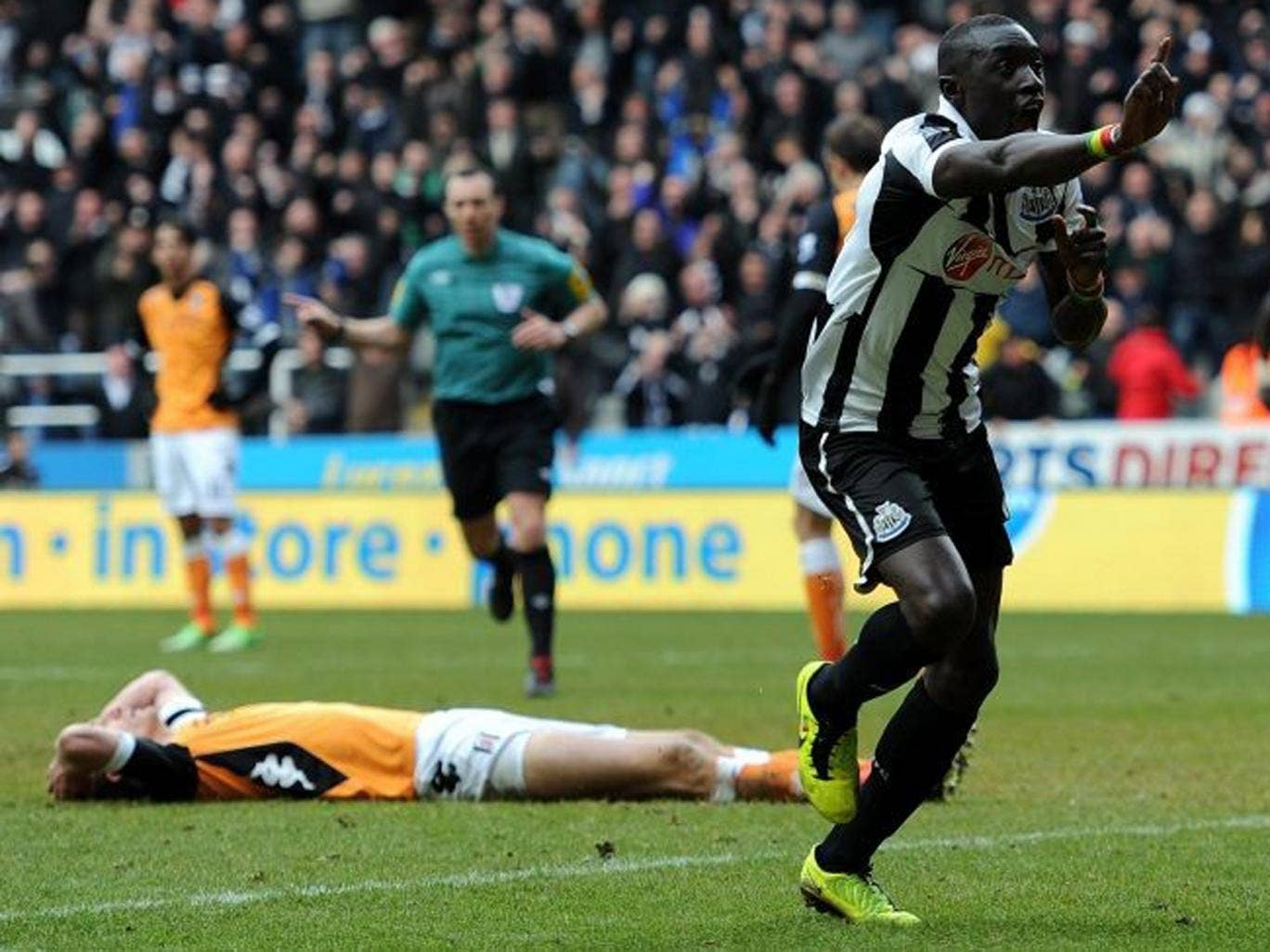 Papiss Cisse eased Newcastle's relegation fears with an injury-time winner against Fulham