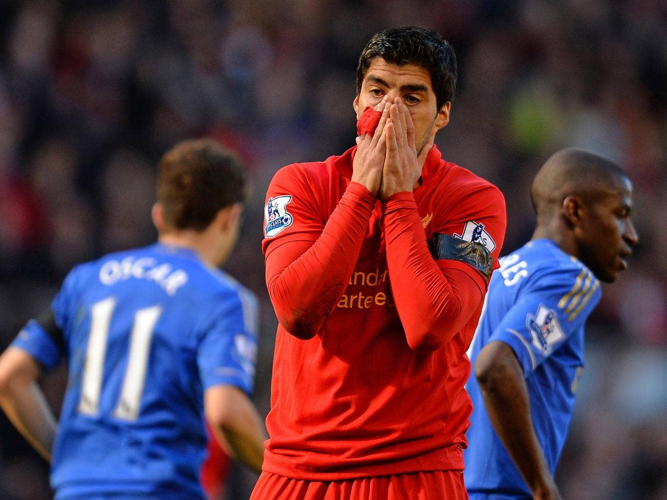 Luis Suarez pictured in the 2-2 draw between Liverpool and Chelsea