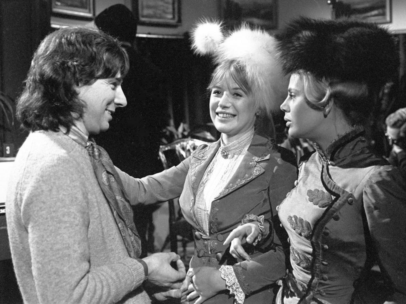 Garland directs Marianne Faithfull, left, and Britt Ekland in Strindberg's 'The Stronger' for ITV in 1971