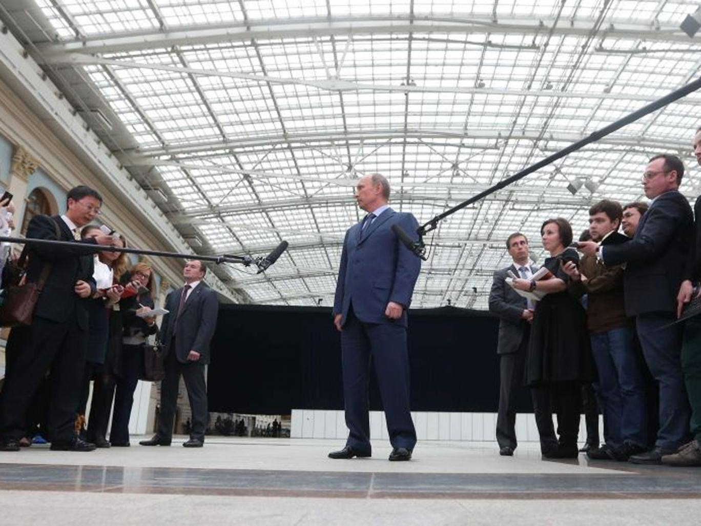Russsian President Vladimir Putin speaks to the press after the annual call-in show on Russian television April