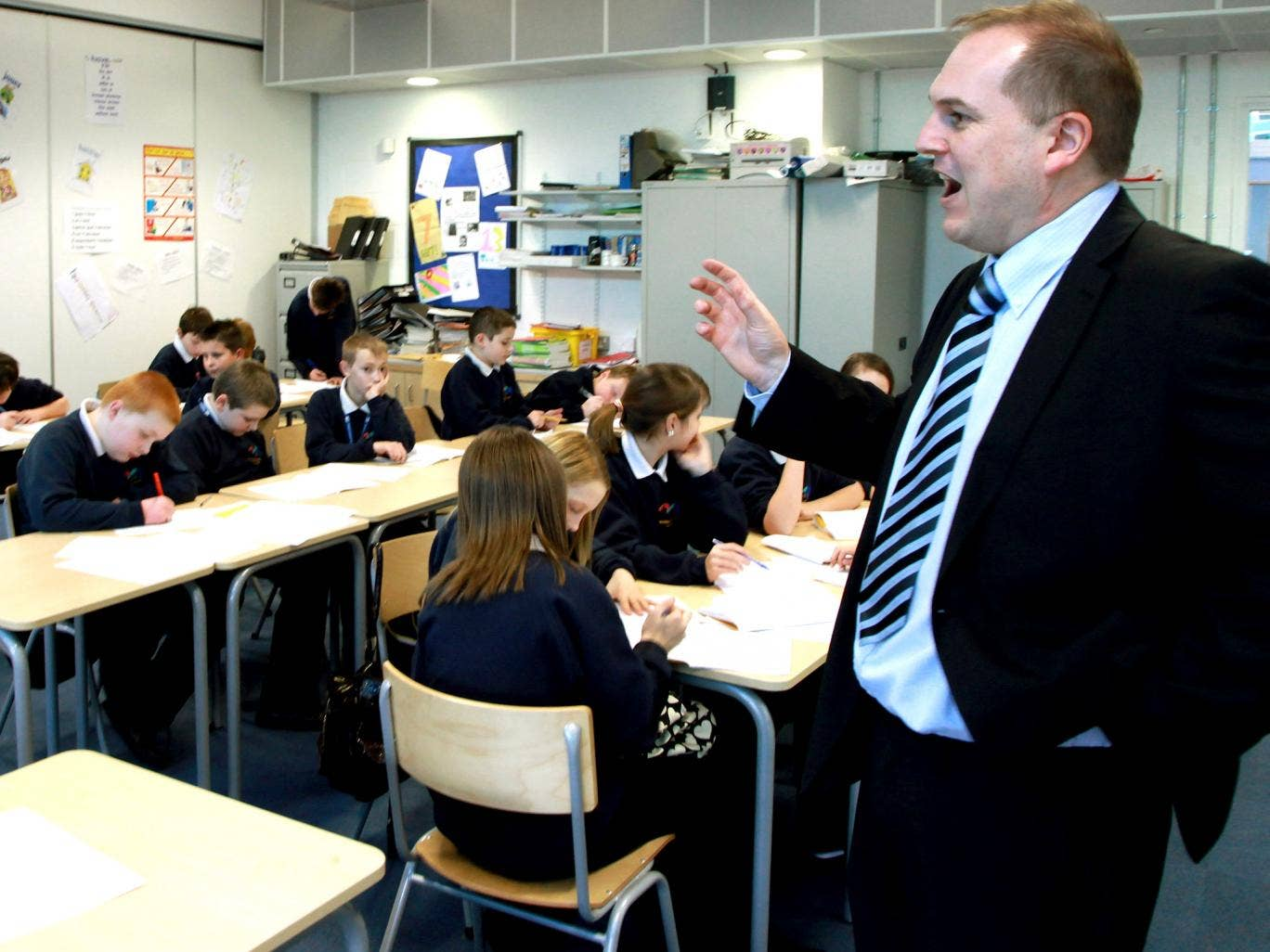 Average academy heads' salaries in both primary and secondary schools are higher than in local authority schools