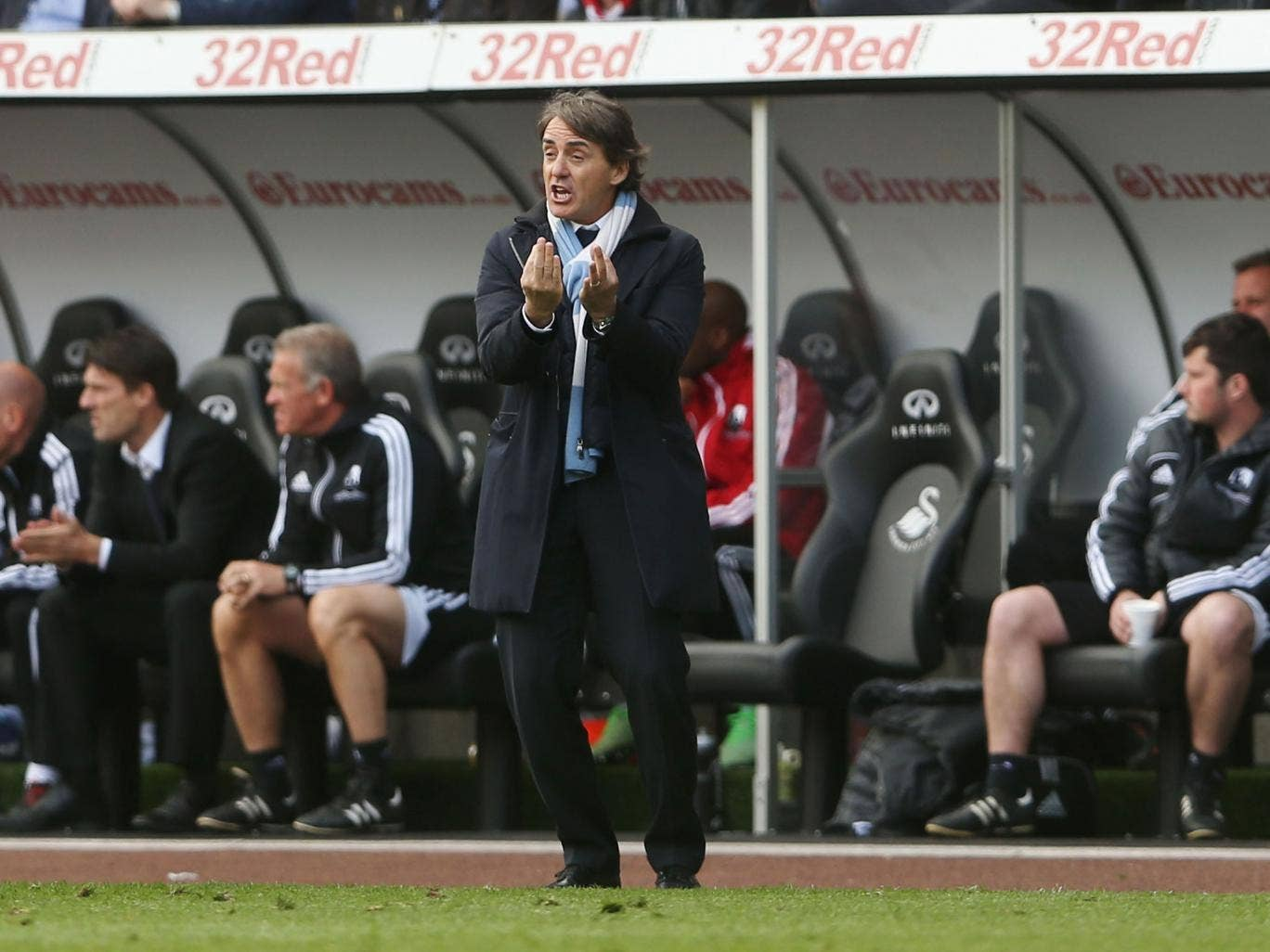 Roberto Mancini's disappointing season continues with a draw against Swansea