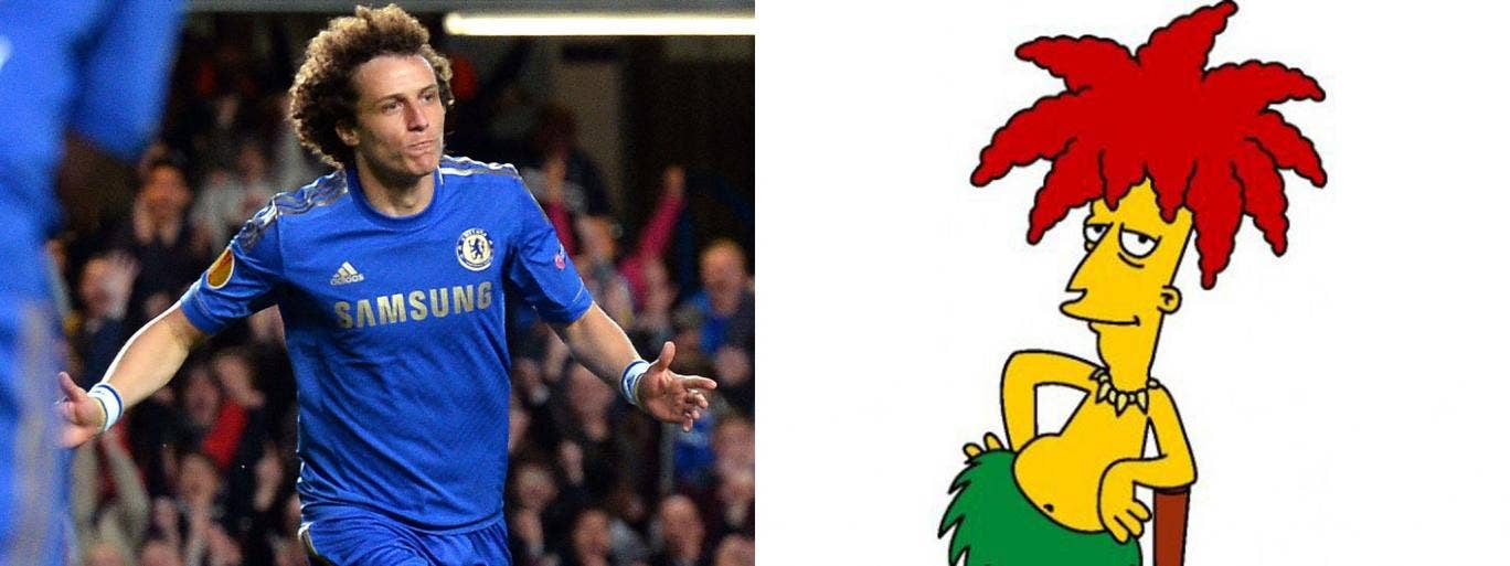 The Chelsea defender David Luiz has told friends that he was laughing at a Manchester United supporter who berated him as Sideshow Bob