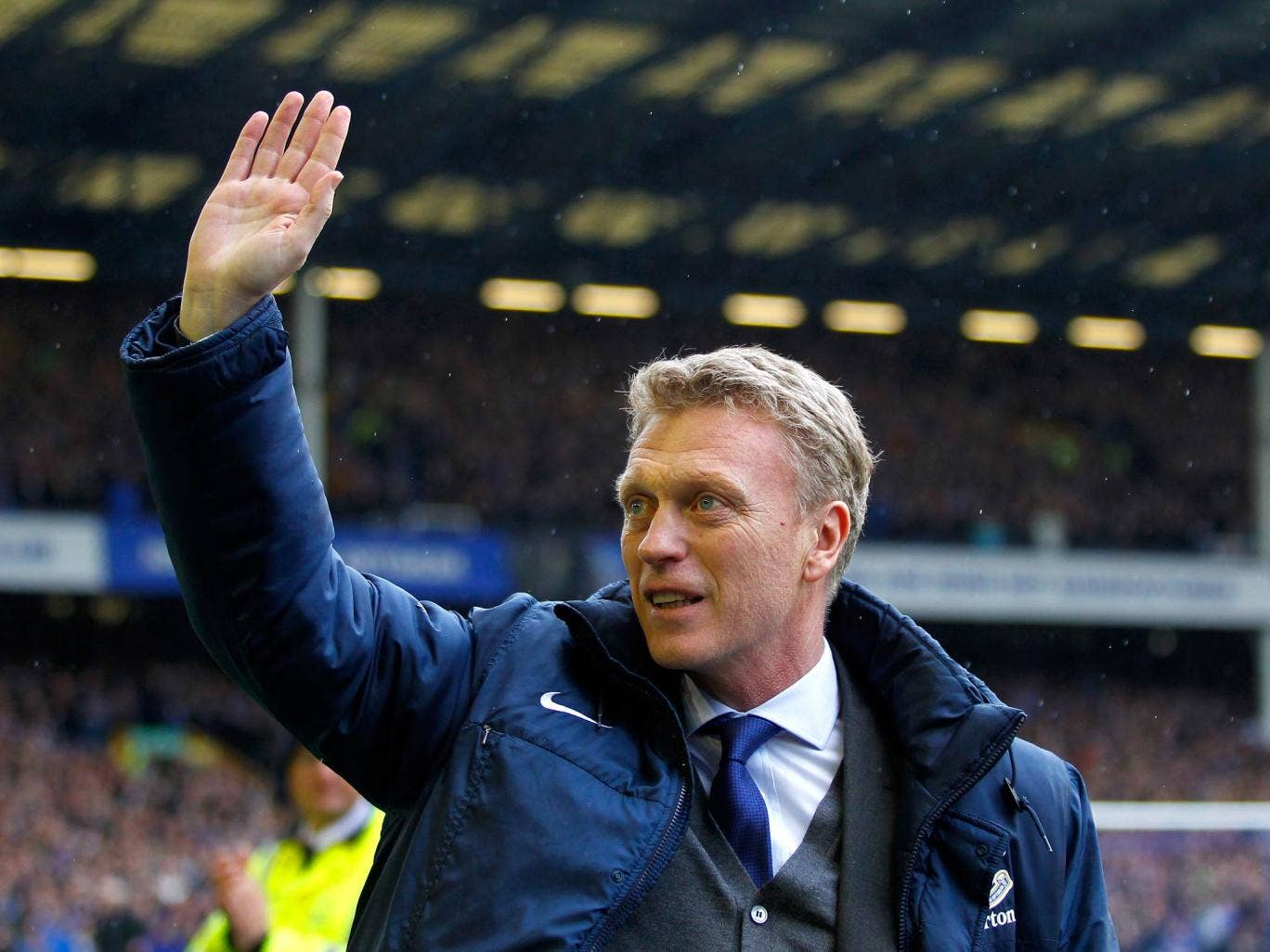 David Moyes waves goodbye to the Everton fans in his final game as Everton boss at Goodison Park