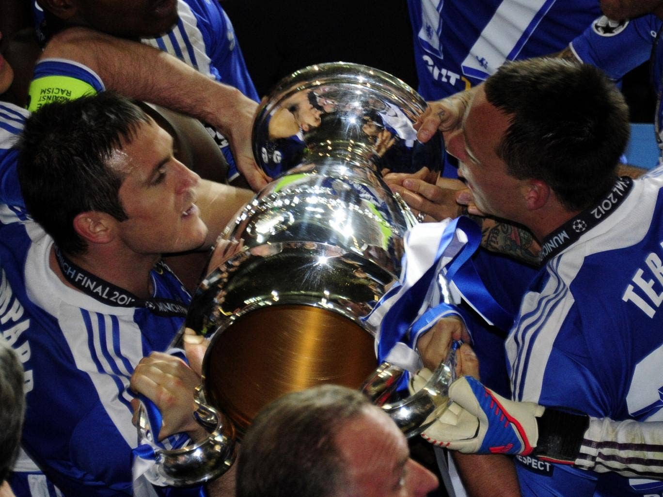 John Terry and Frank Lampard lift the Champions League trophy