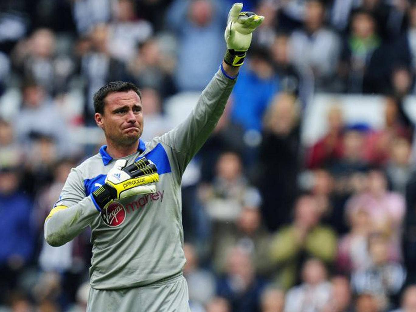 Steve Harper, the Newcastle goalkeeper, bid an emotional farewell to the fans at St James' Park in his final game (Stu Forster/Getty Images)