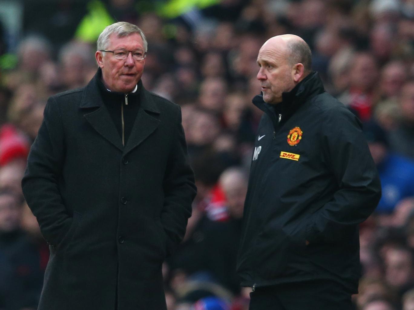 Mike Phelan alongside Sir Alex Ferguson