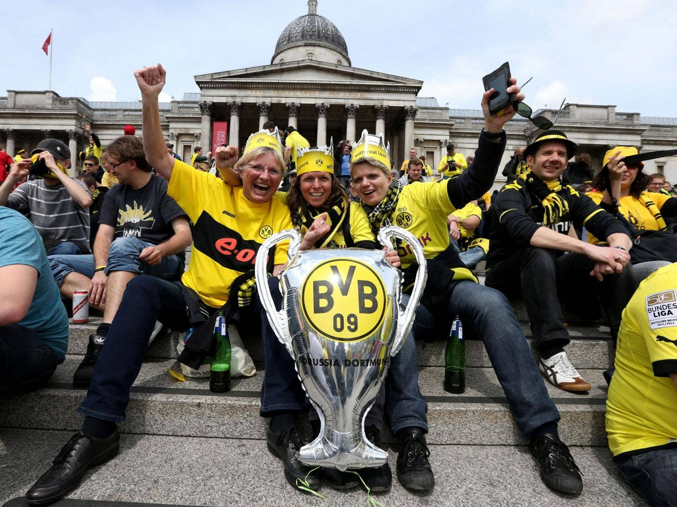Borussia Dortmund fans in Trafalgar Square