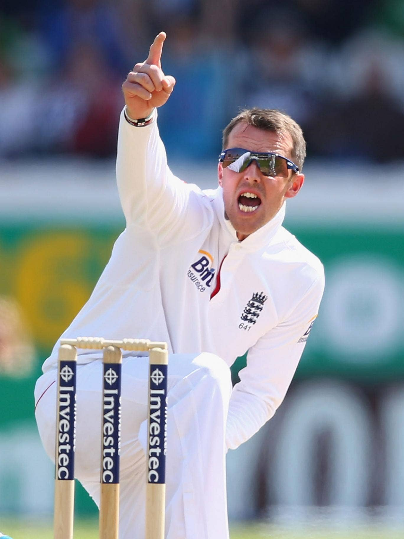England's Graeme Swann celebrates taking another scalp