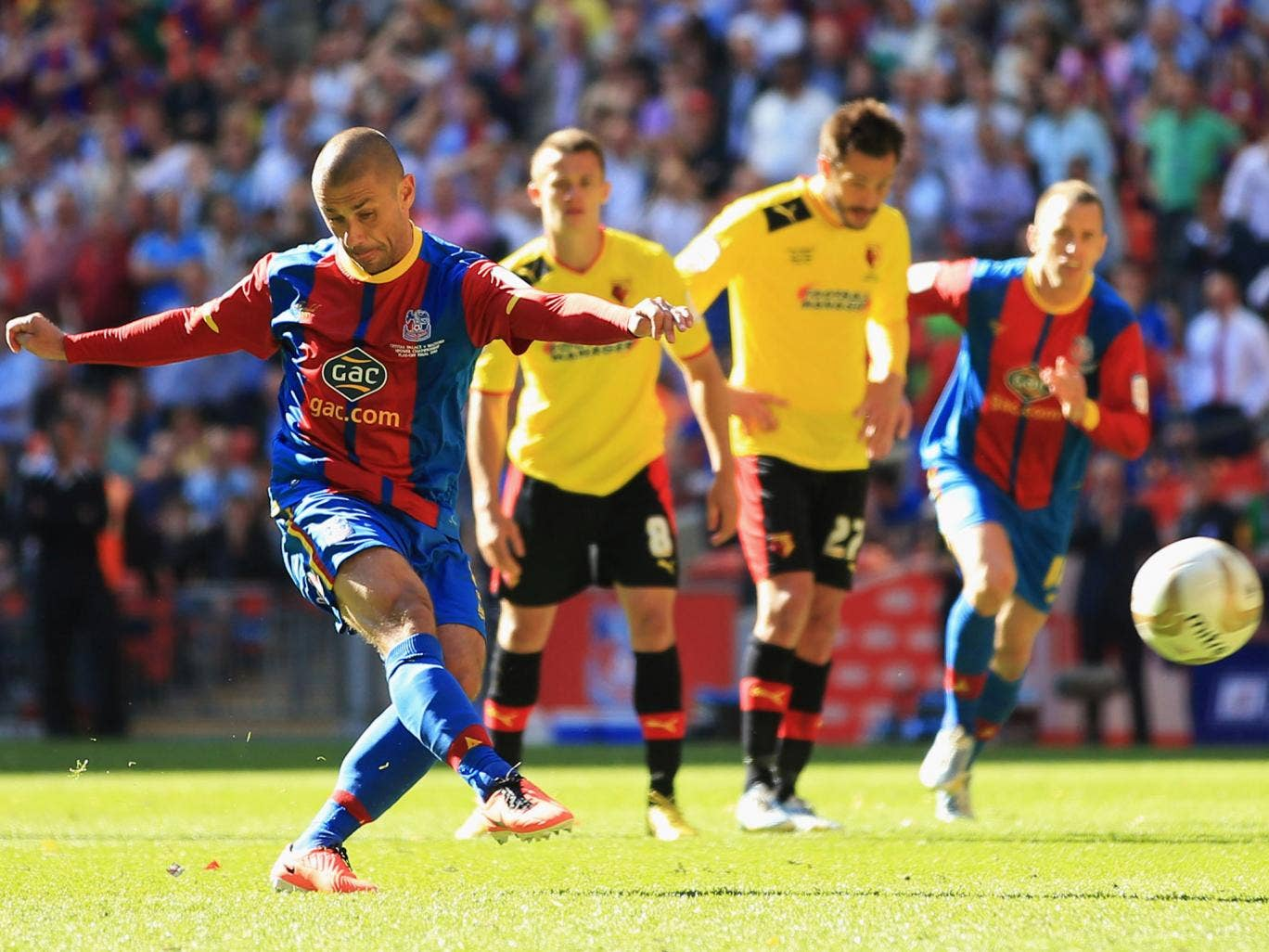 Palace striker Kevin Phillips scores from the spot