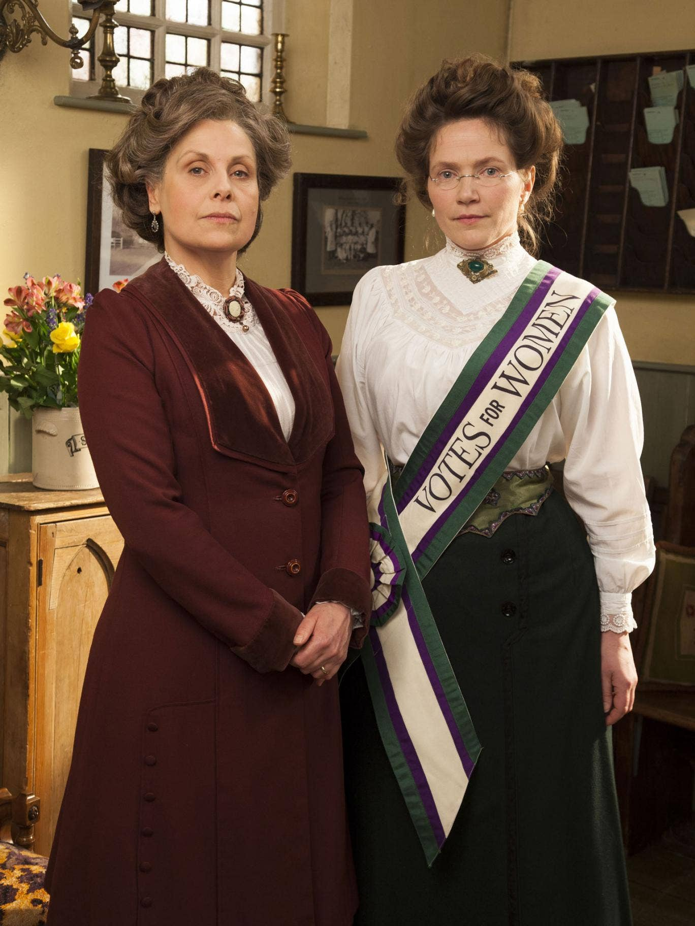 Rebecca Front and Jessica Hynes in Up The Women