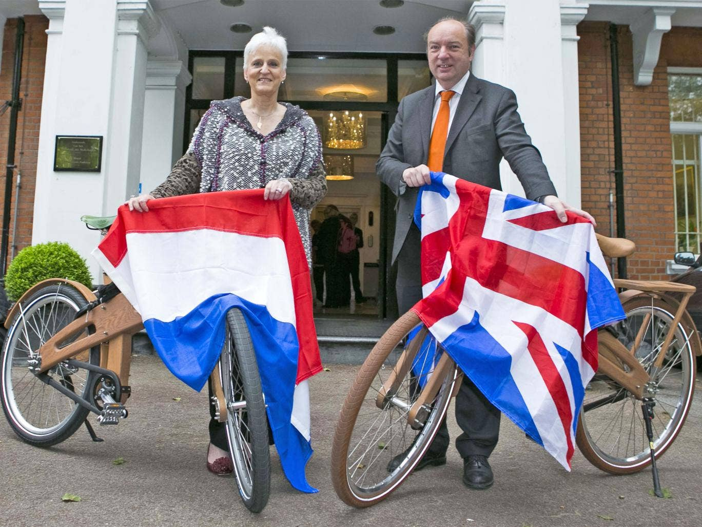 Laetitia van den Assum, Dutch Ambassador to the UK, with Norman Baker, Transport minister, on the fact-finding trip to the Netherlands