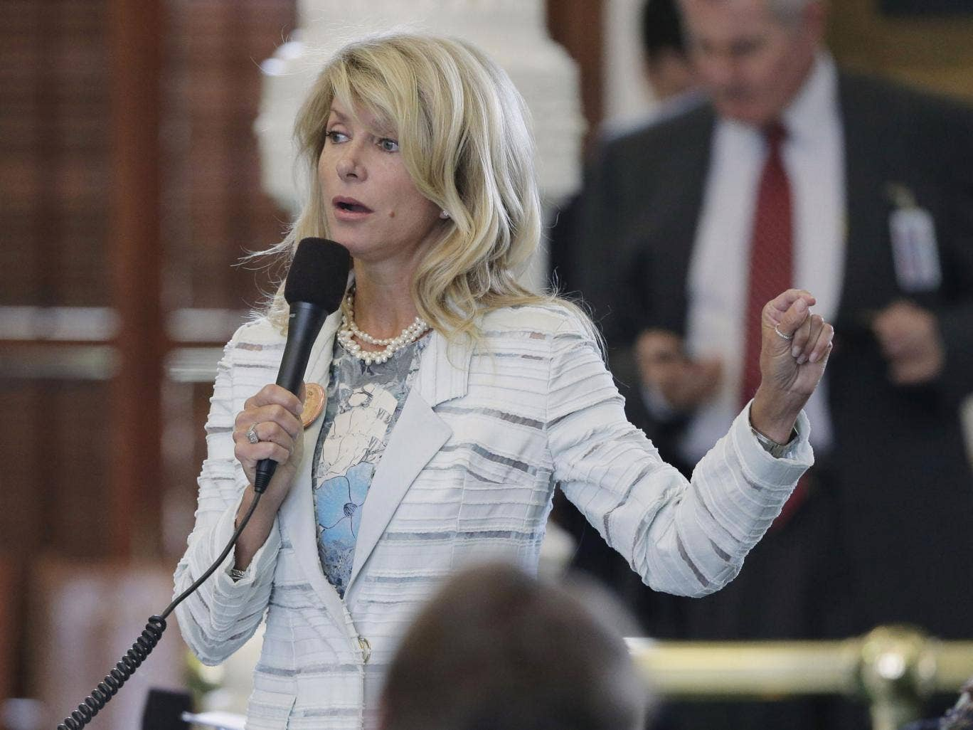 Senator Wendy Davis delivered a 10-hour speech in the Texan state capitol to delay the vote on the bill on Tuesday