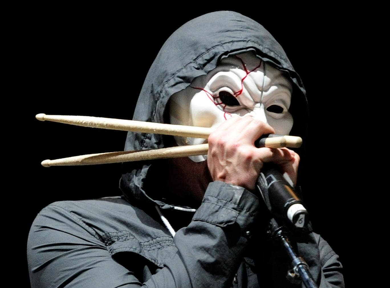 Da Kurlzz of Hollywood Undead. Scuzz TV was £10,000 for broadcasting one of the band's videos before 9pm.