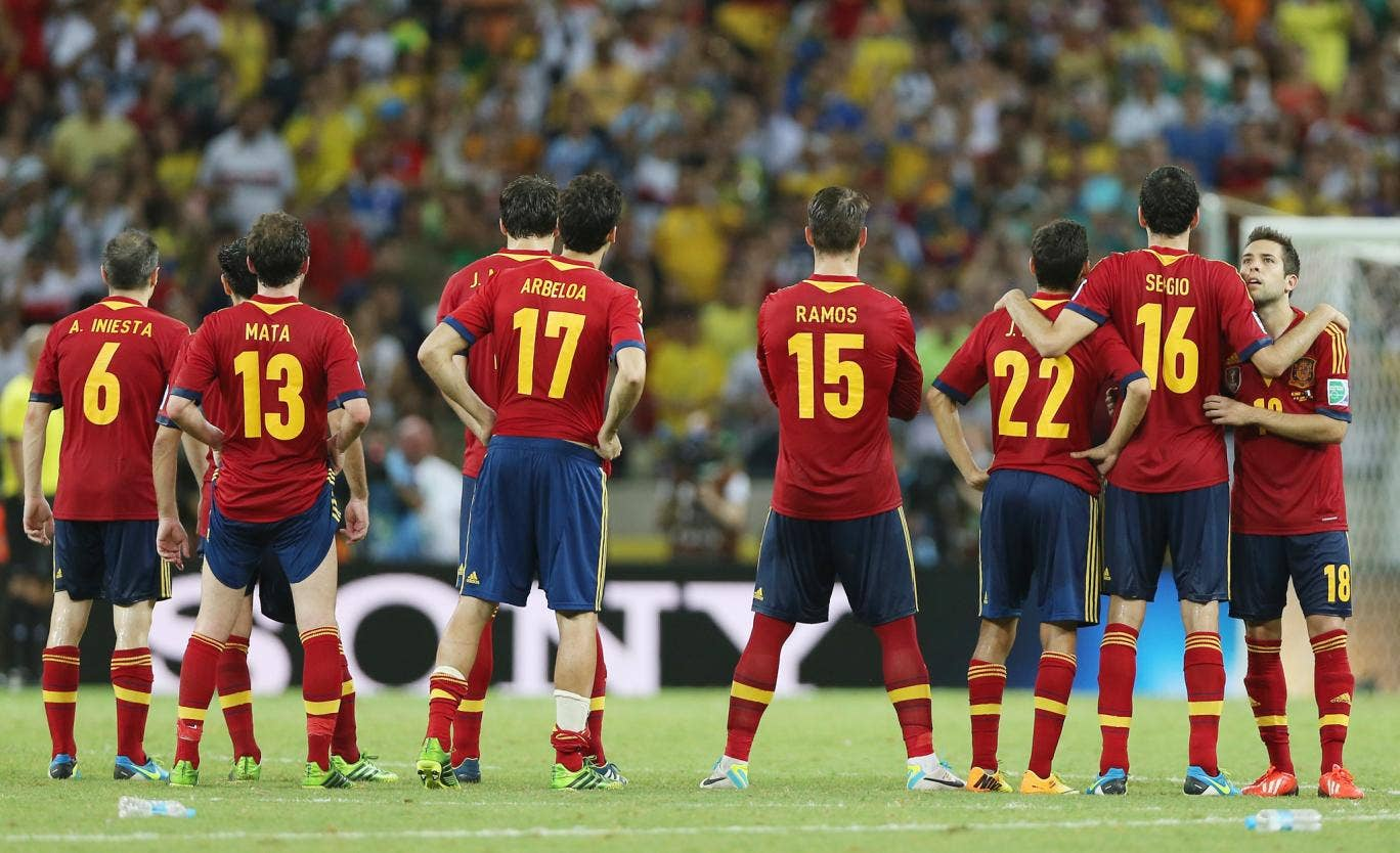 Jordi Alba of Spain (right) cannot bear to watch during the shootout during the Confederations Cup semi-final between Spain and Italy