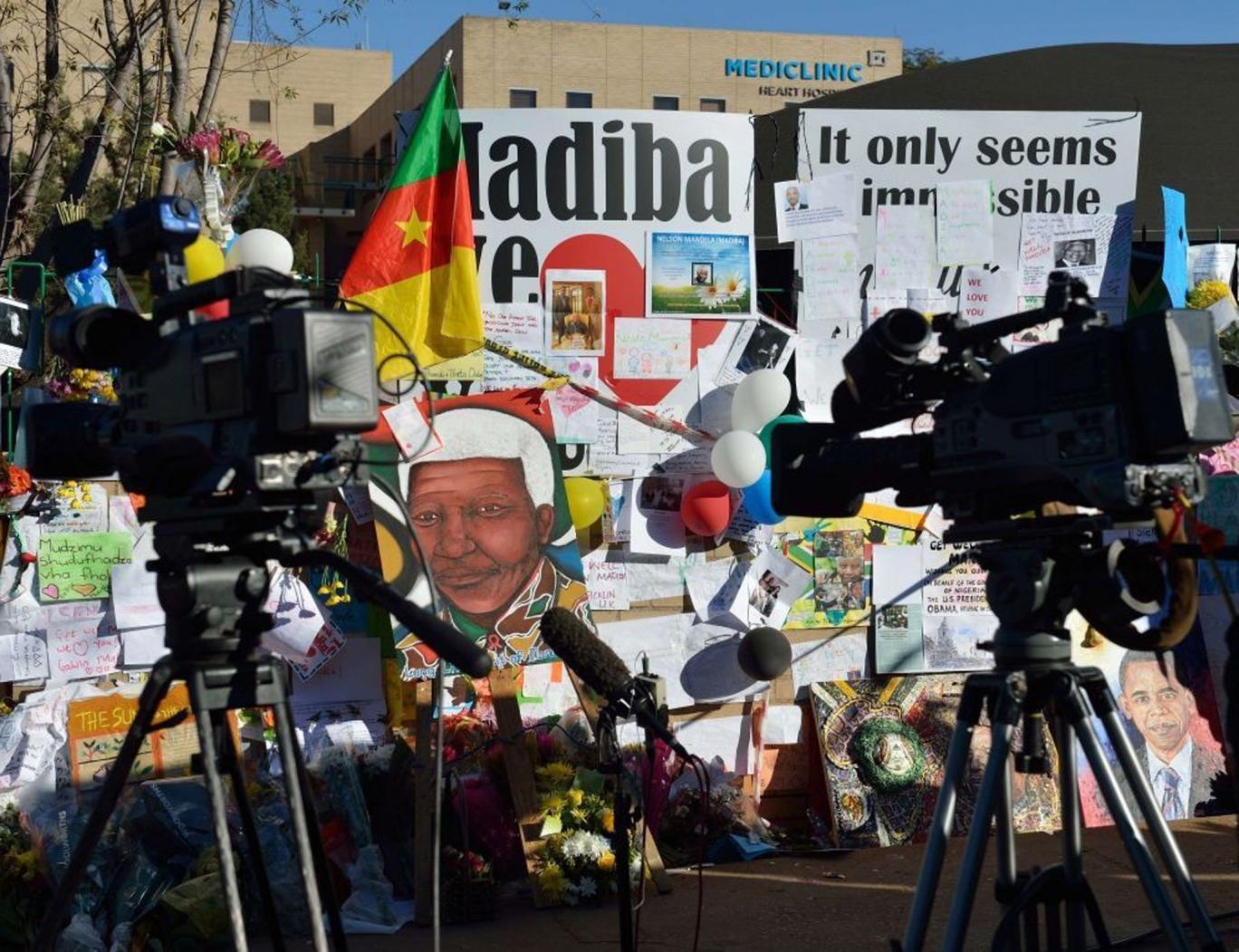 Tributes pile up for South Africa's hospitalised former president, Nelson Mandela