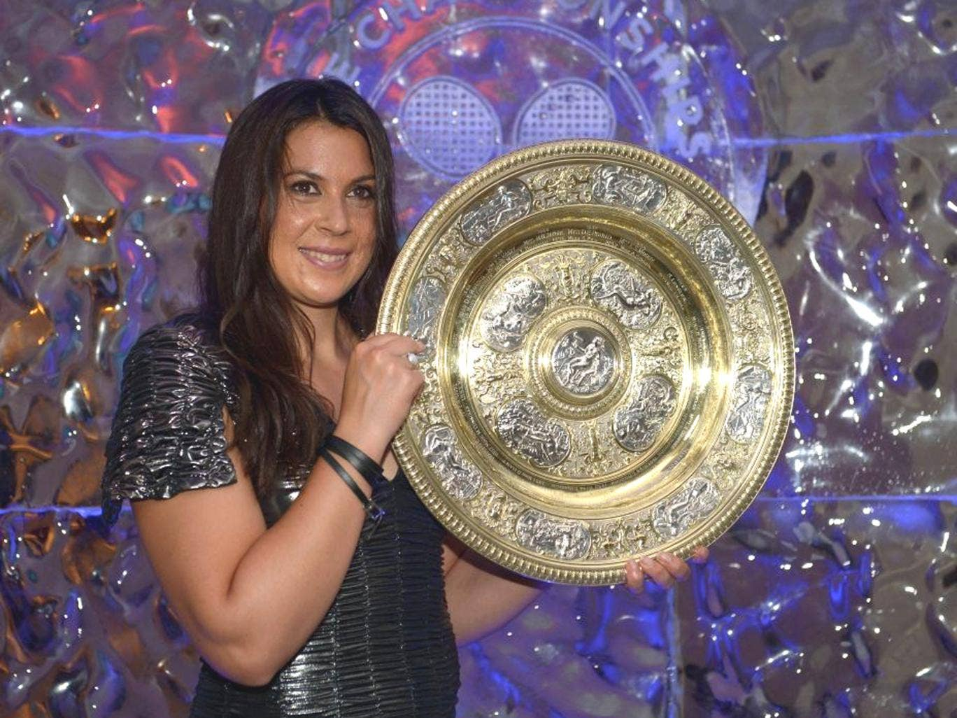 """More than 600 people have complained to the BBC after presenter John Inverdale suggested Wimbledon winner Marion Bartoli was """"never going to be a looker"""""""
