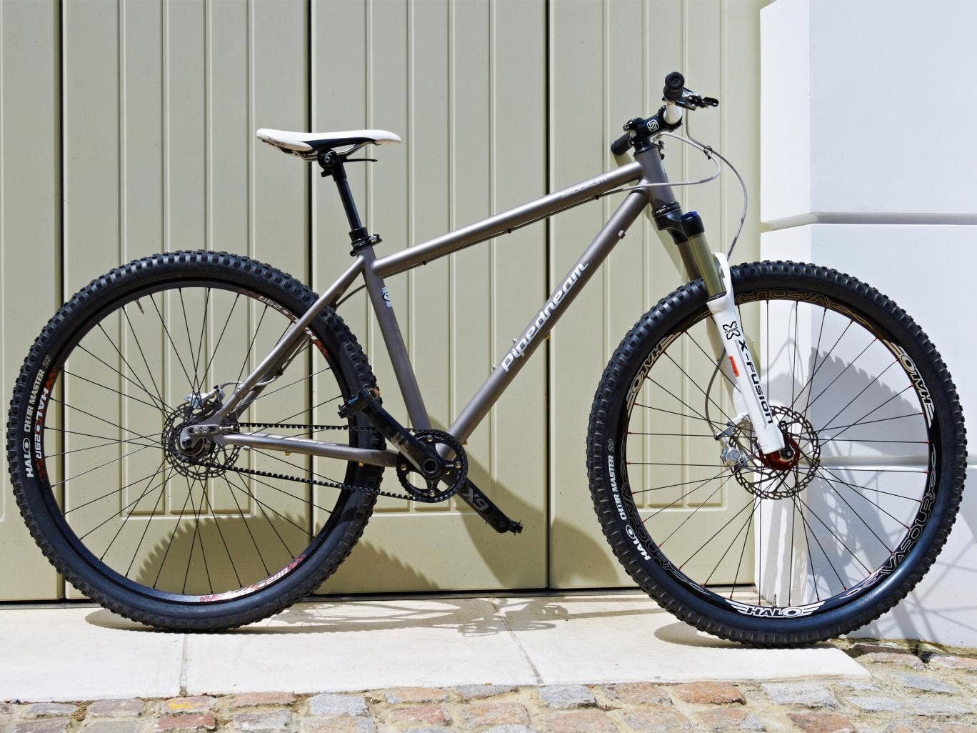 The Pipedream Skookum 29er Titanium is designed to hammer down muddy paths