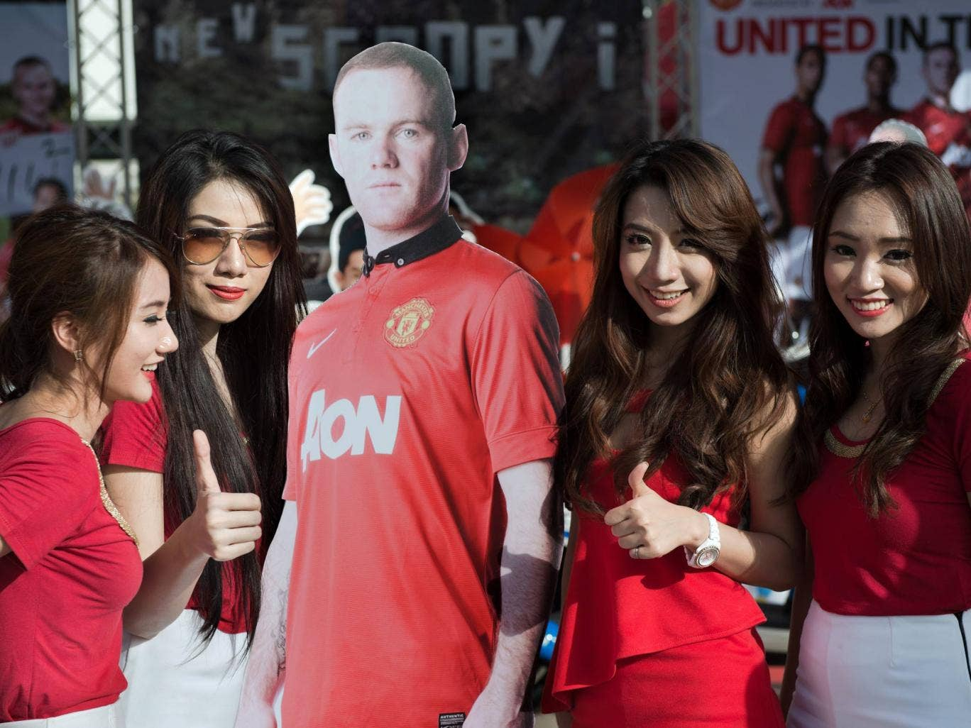 Wayne Rooney is replaced by a cardboard cut-out on United's tour