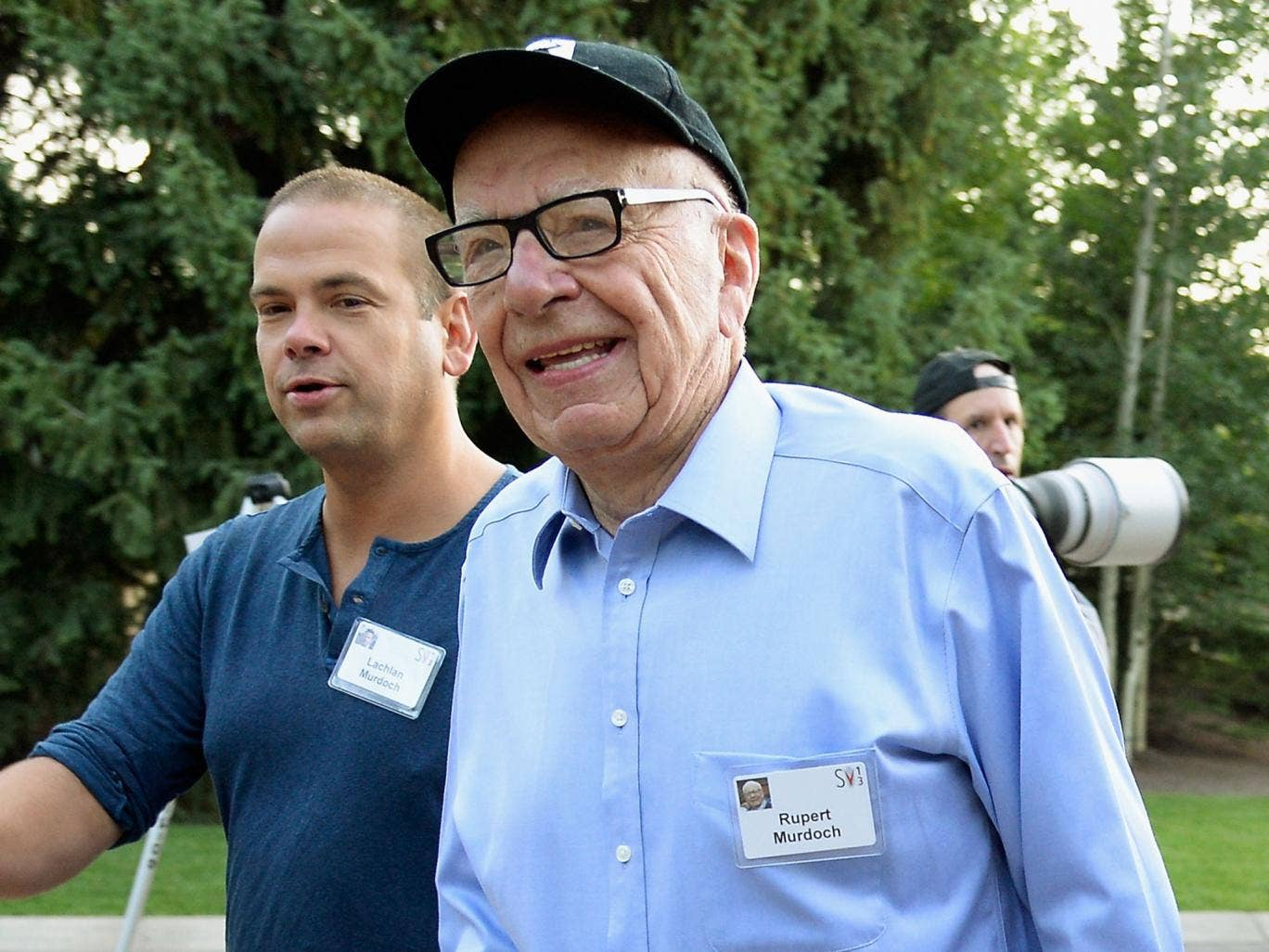 Rupert Murdoch has written to MPs to apologise for his outburst calling police 'incompetent'