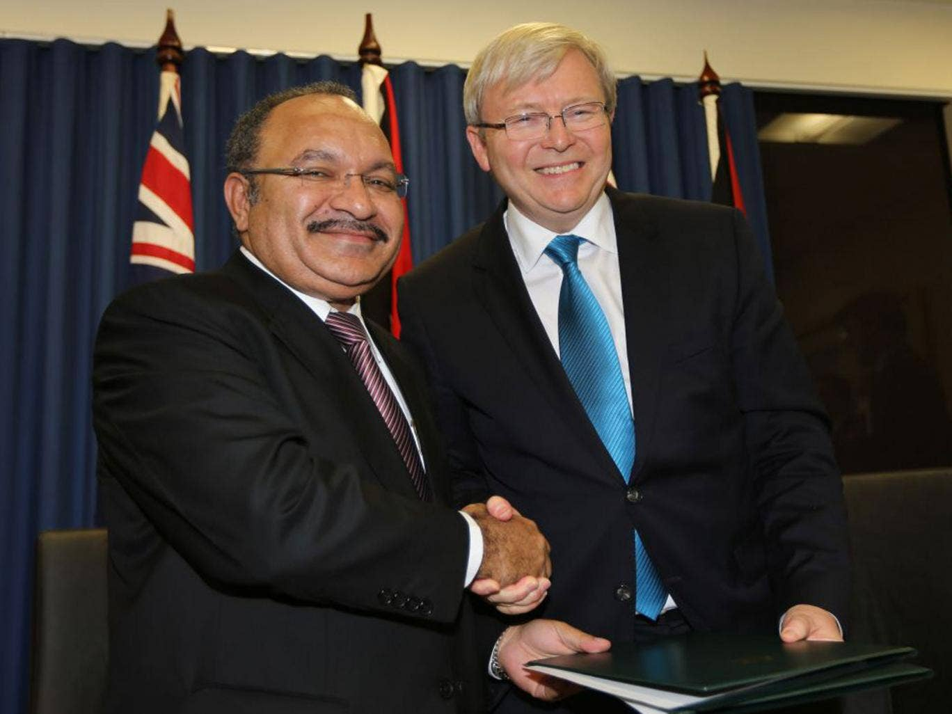 Kevin Rudd with Papua New Guinea leader Peter O'Neill
