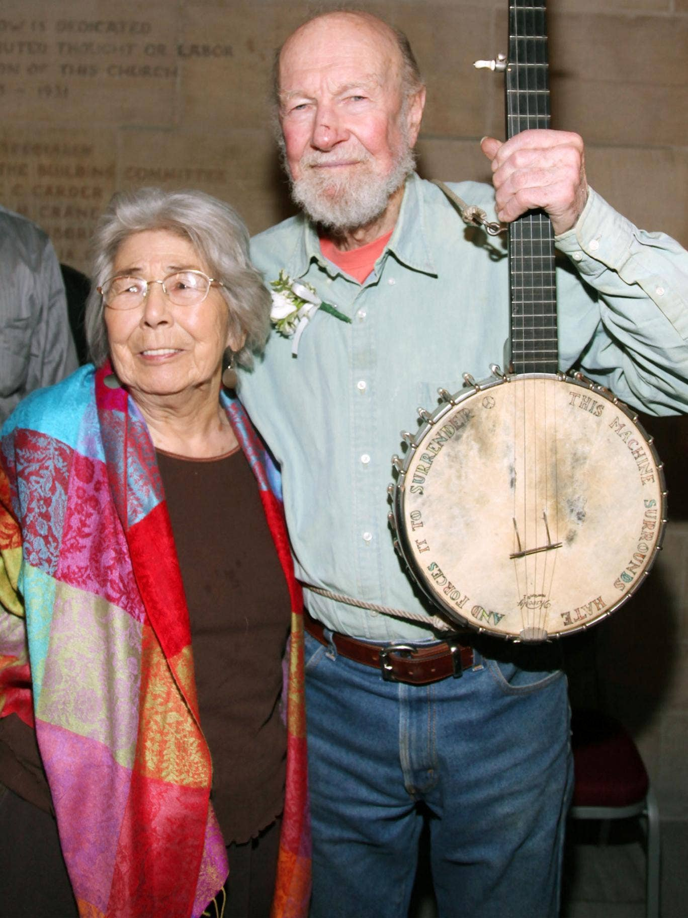 Toshi and Pete Seeger in 2009