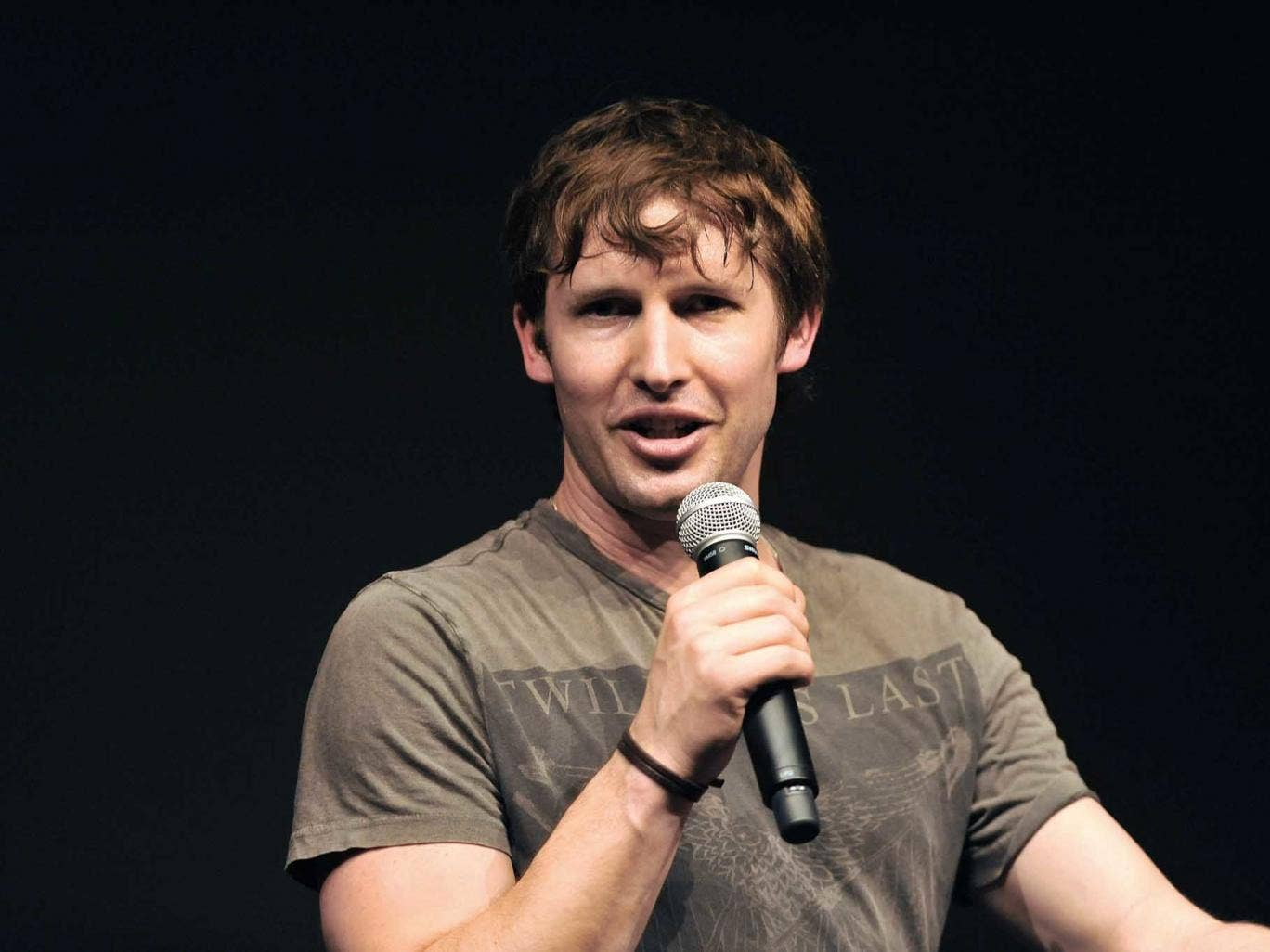 James Blunt has apologised for a 'clerical error' that resulted in a 'UK-wide' mailout of his new single