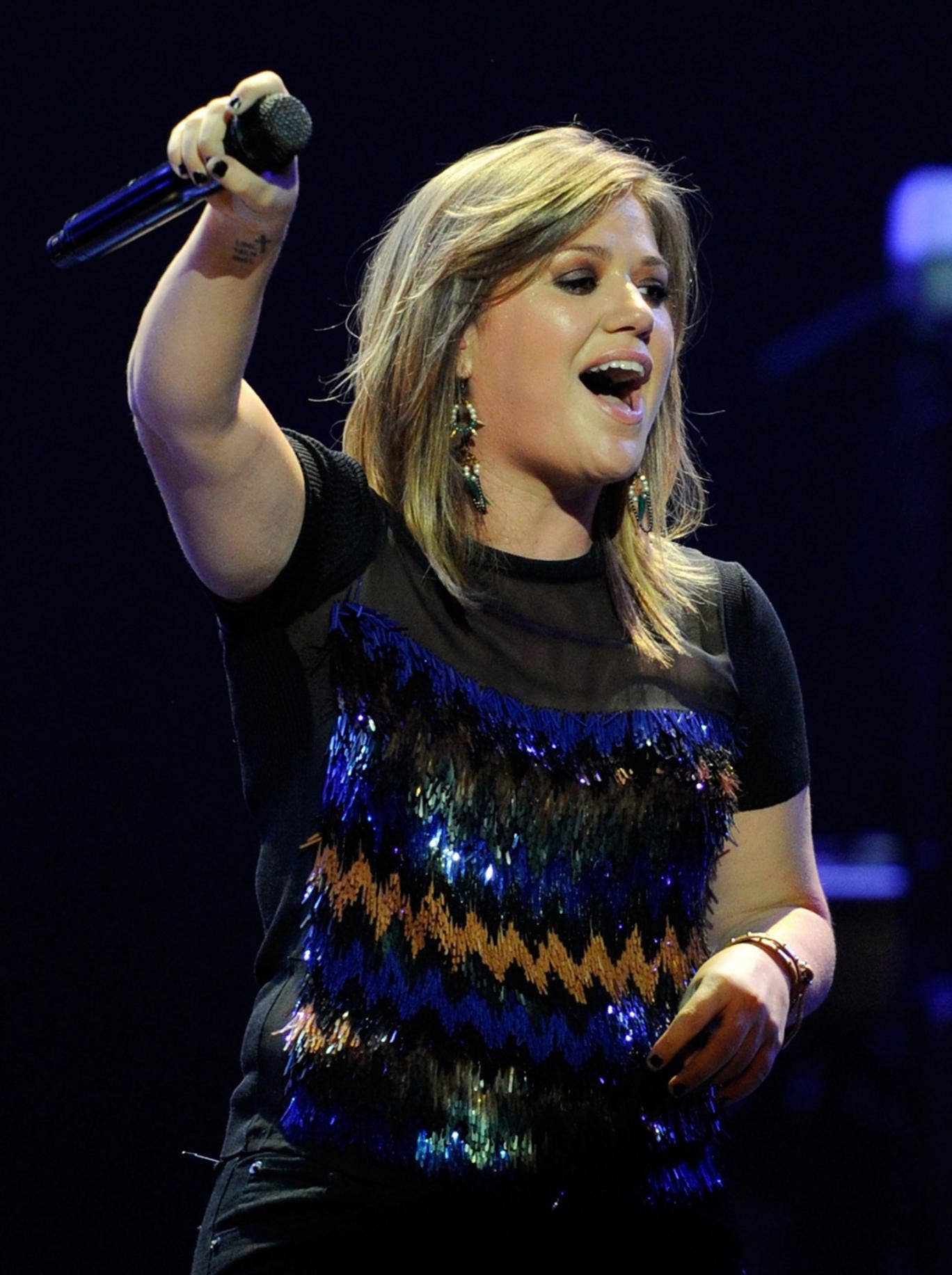 Kelly Clarkson will face difficulties if she wants to take a ring which once belonged to Jane Austen out of the UK.