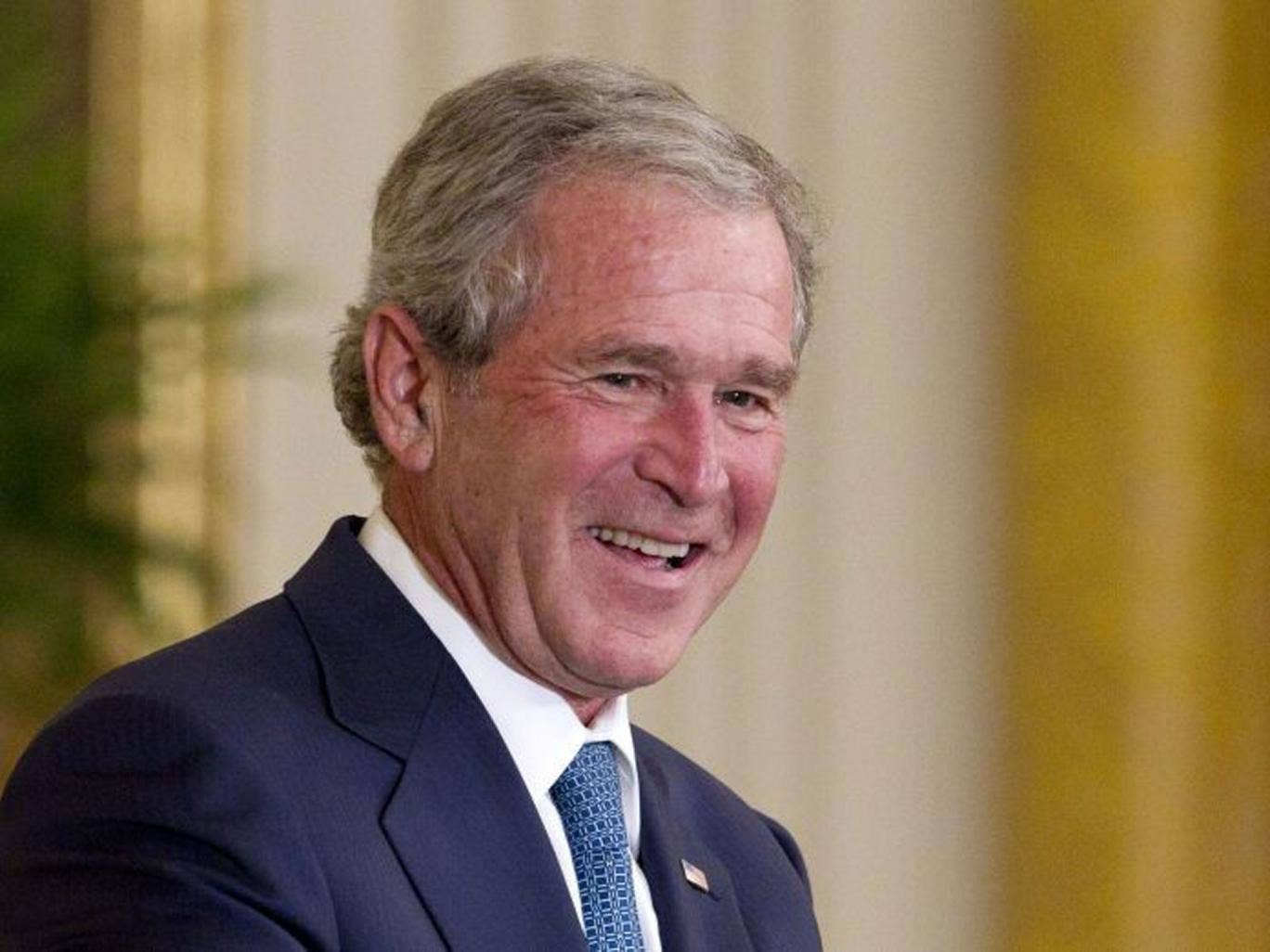 Former US President George W Bush has undergone heart surgery at a hospital in Texas