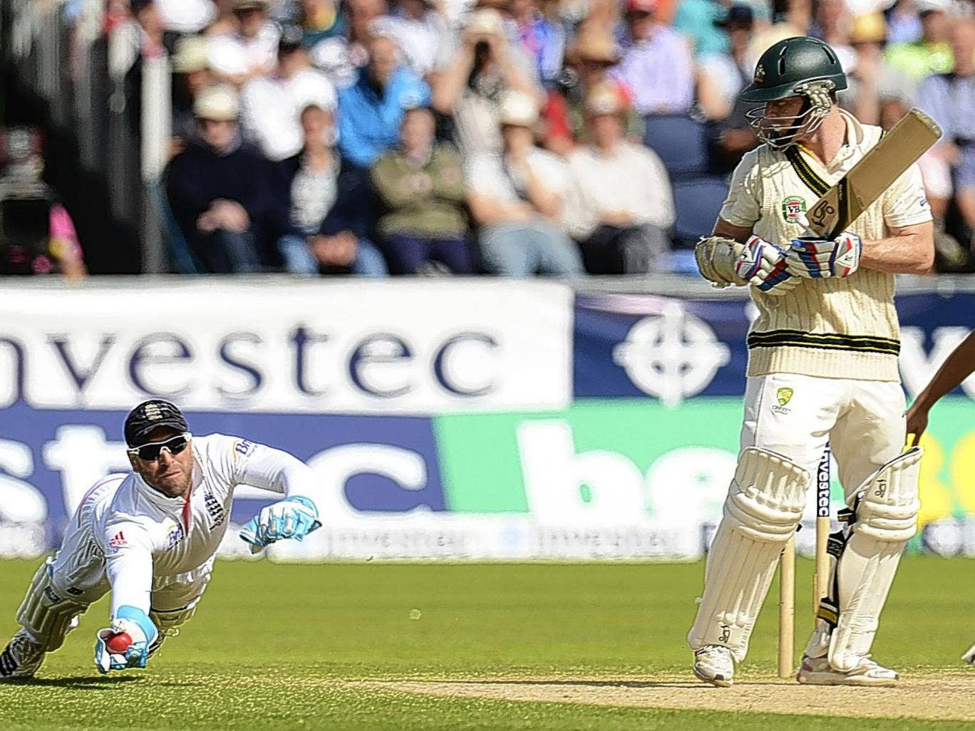 Chris Rogers is caught by Matt Prior off the bowling of Graeme Swann