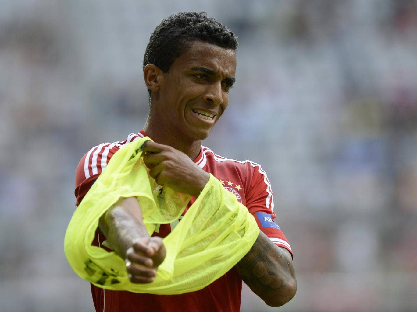 Arsenal are believed to be close to signing Bayern Munich midfielder Luiz Gustavo