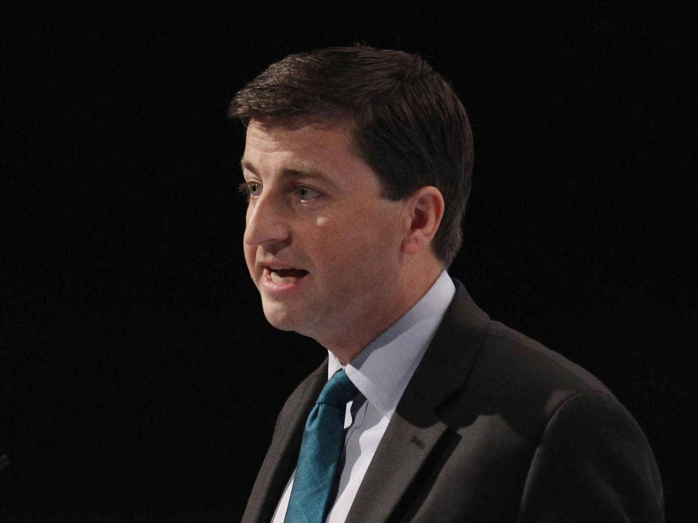 Douglas Alexander has called for a European Union meeting to review all the aid it gives to the Egyptian government
