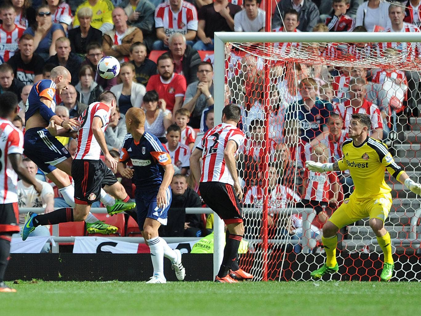 Patjim Kasami scores a header to give Fulham victory over Sunderland