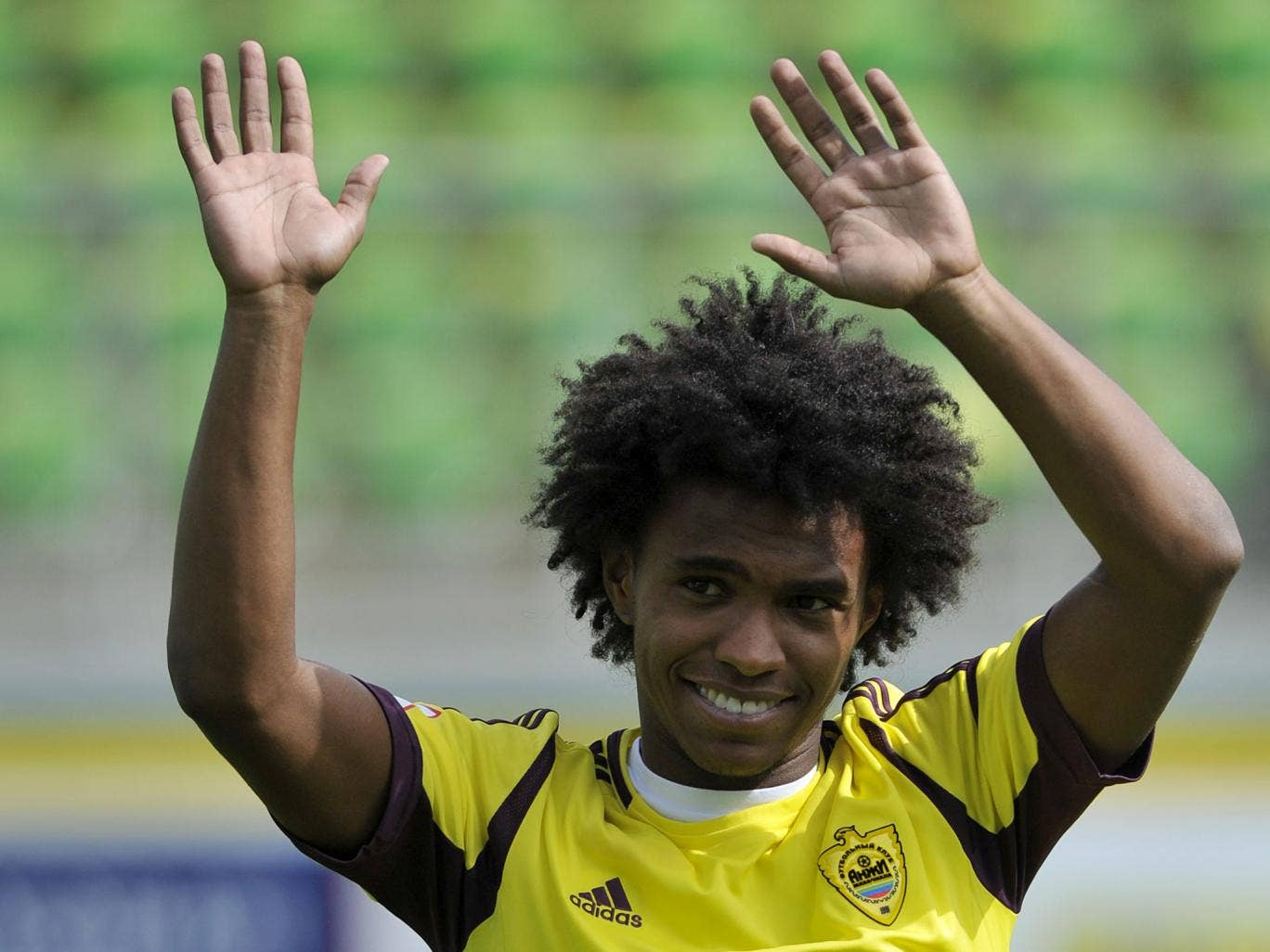 Willian is expected to sign for Chelsea after having a Spurs medical