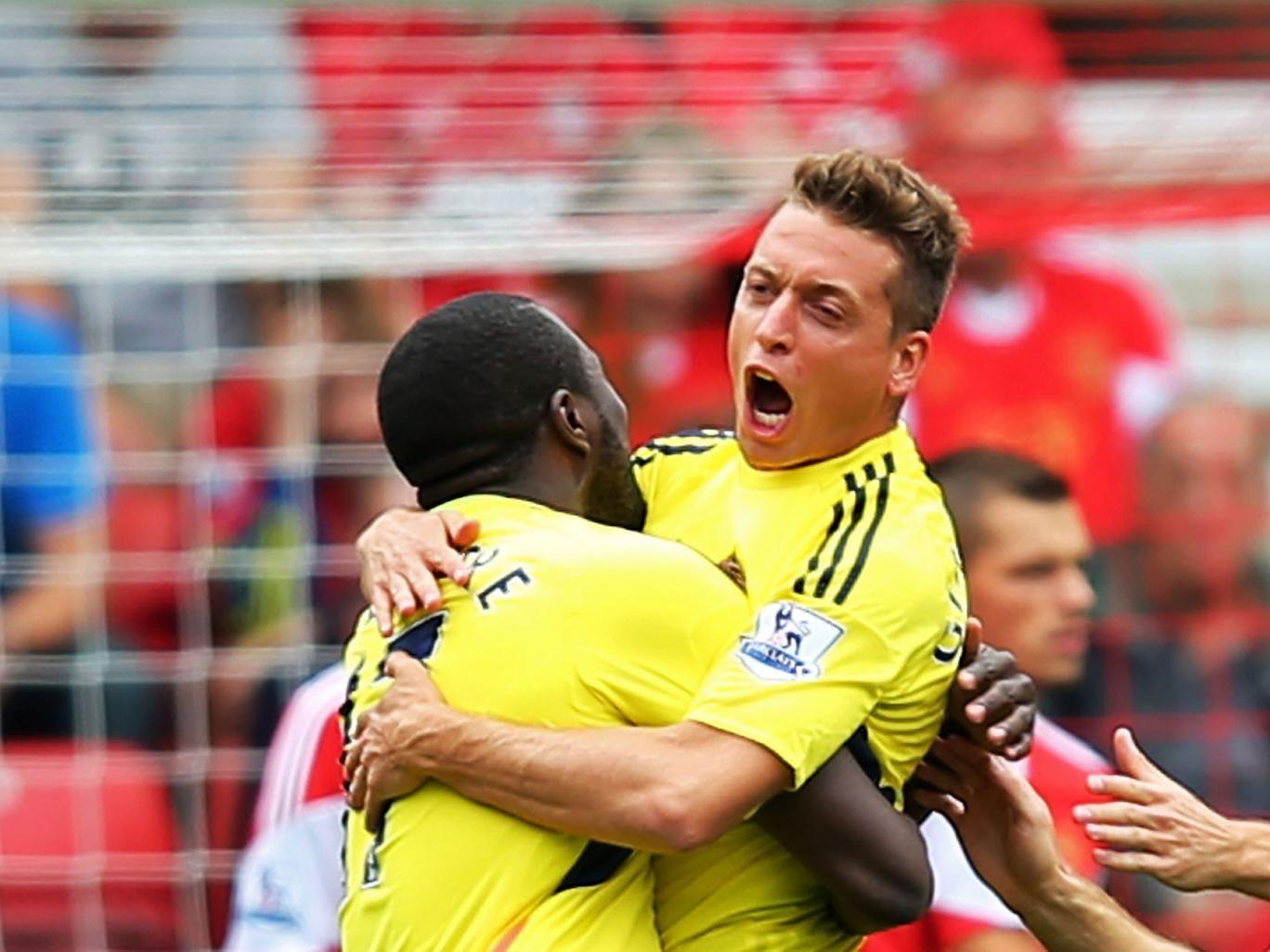 Emanuele Giaccherini opens the scoring for Sunderland