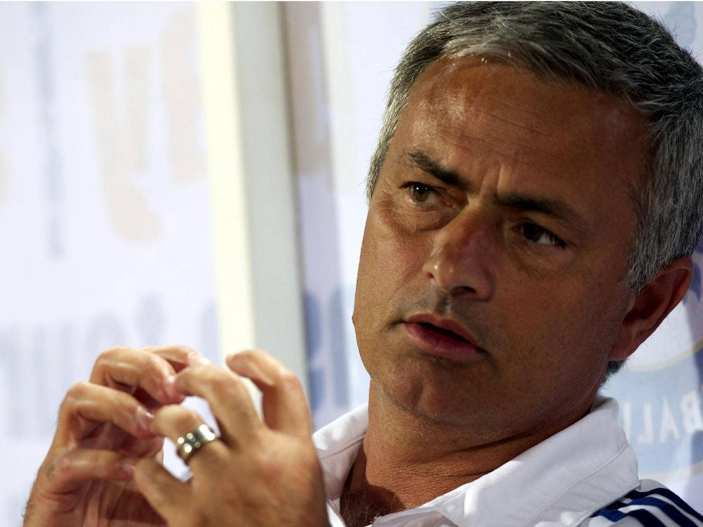 Jose Mourinho says that Manchester United, who his Chelsea side face tonight, have a 'fantastic squad'