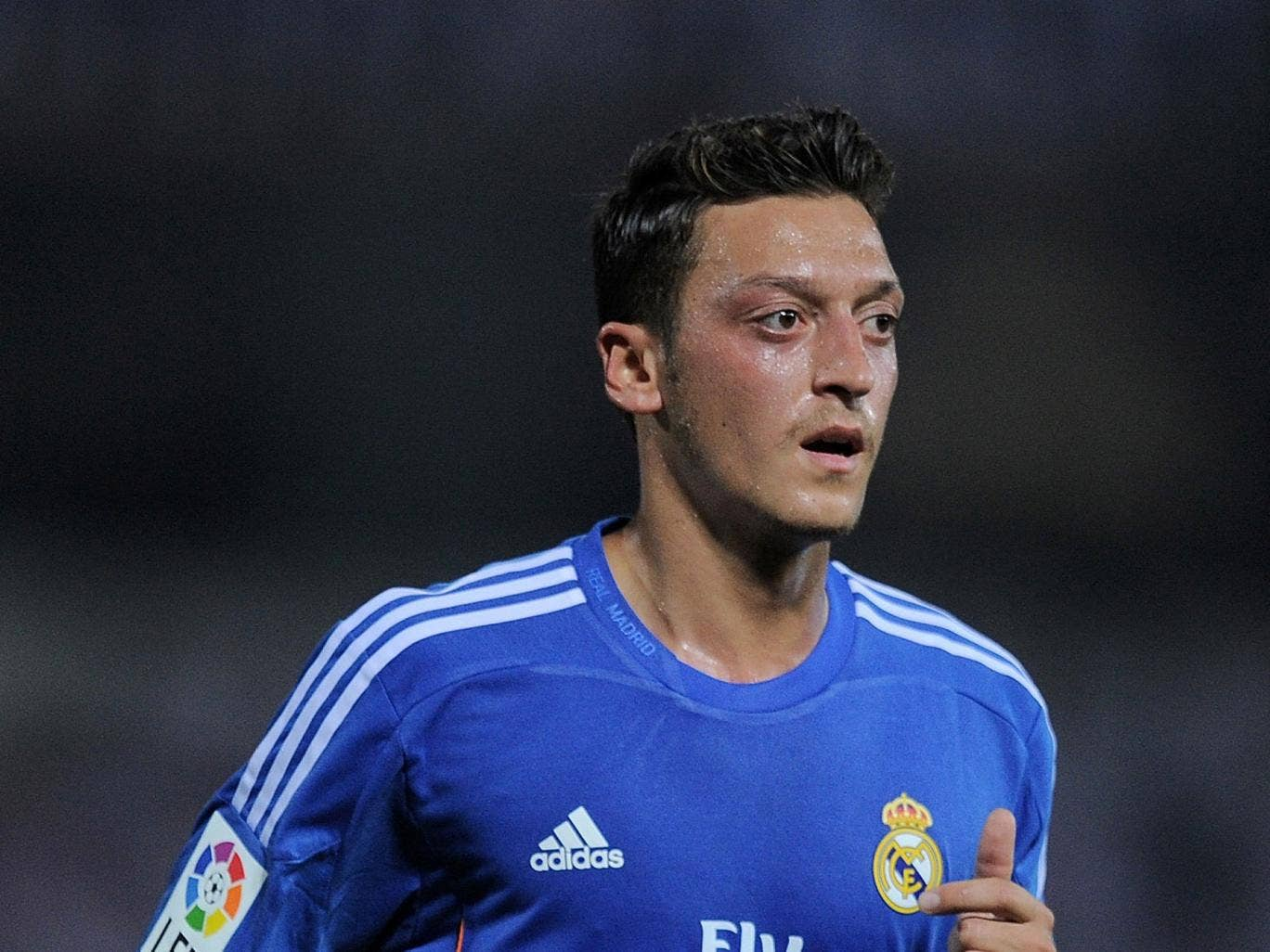 Mesut Ozil says he has no intention of leaving Real Madrid
