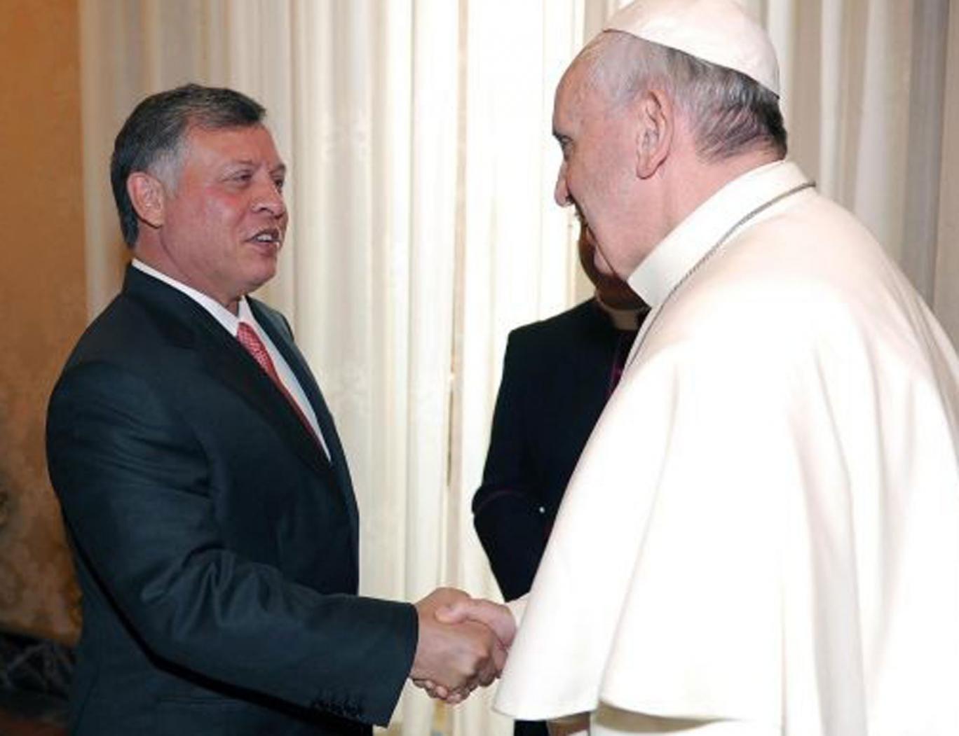 Pope Francis (right) meeting King Abdullah of Jordan