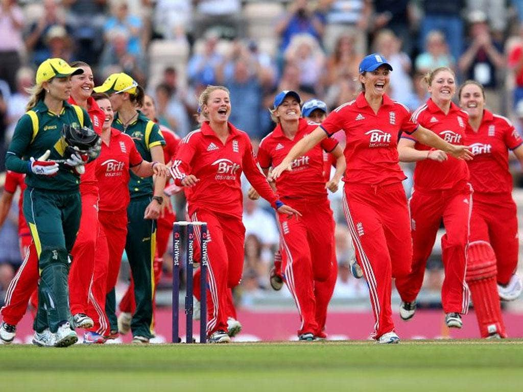 England celebrate after regaining the Ashes yesterday