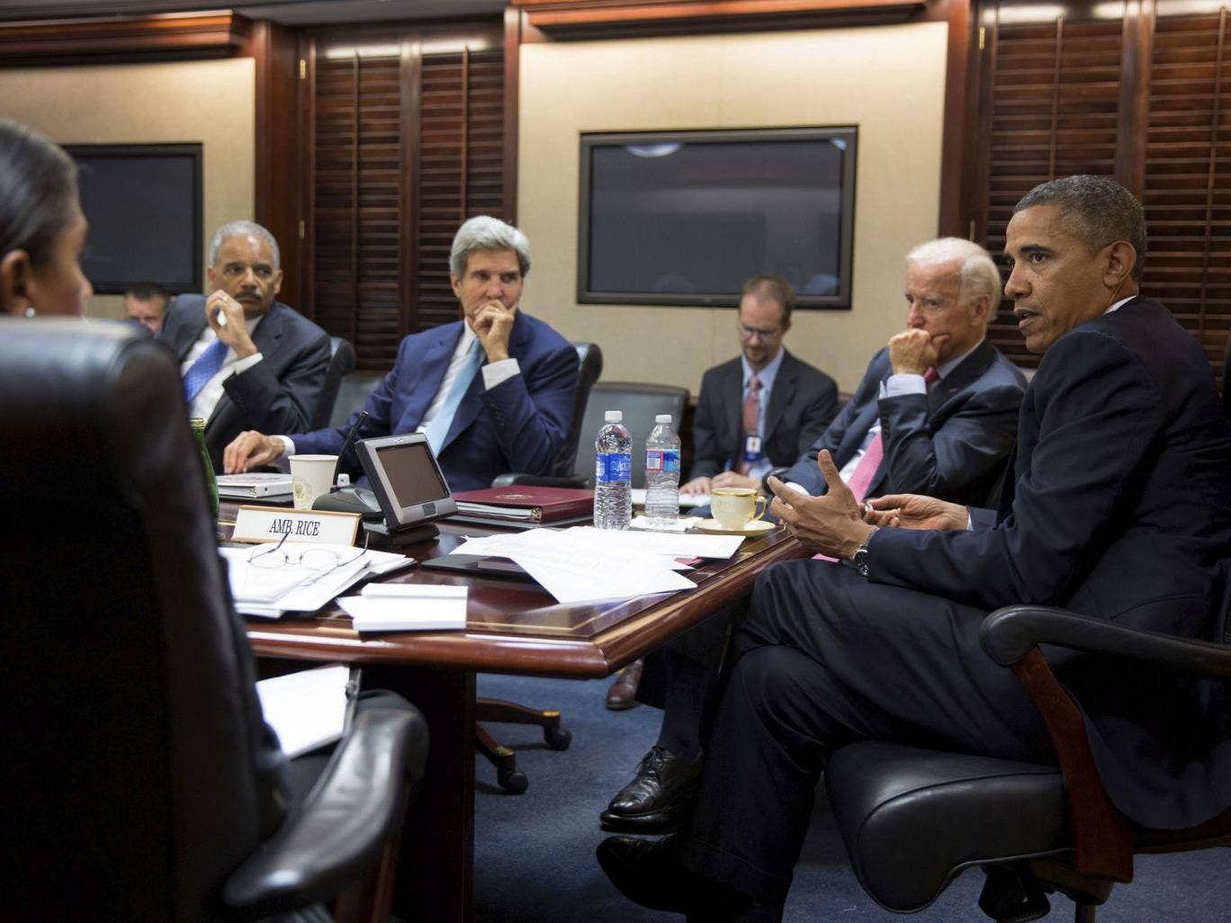 Barack Obama meets with his national security staff to discuss the situation in Syria in the Situation Room of the White House
