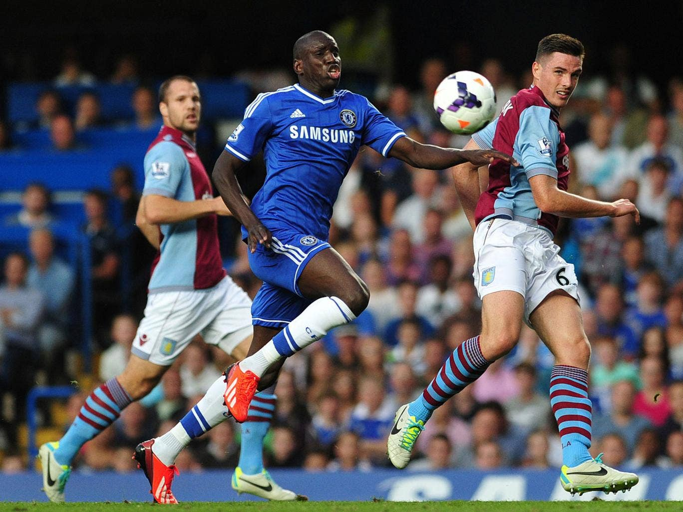 West Ham could bring Demba Ba back to the club from Chelsea