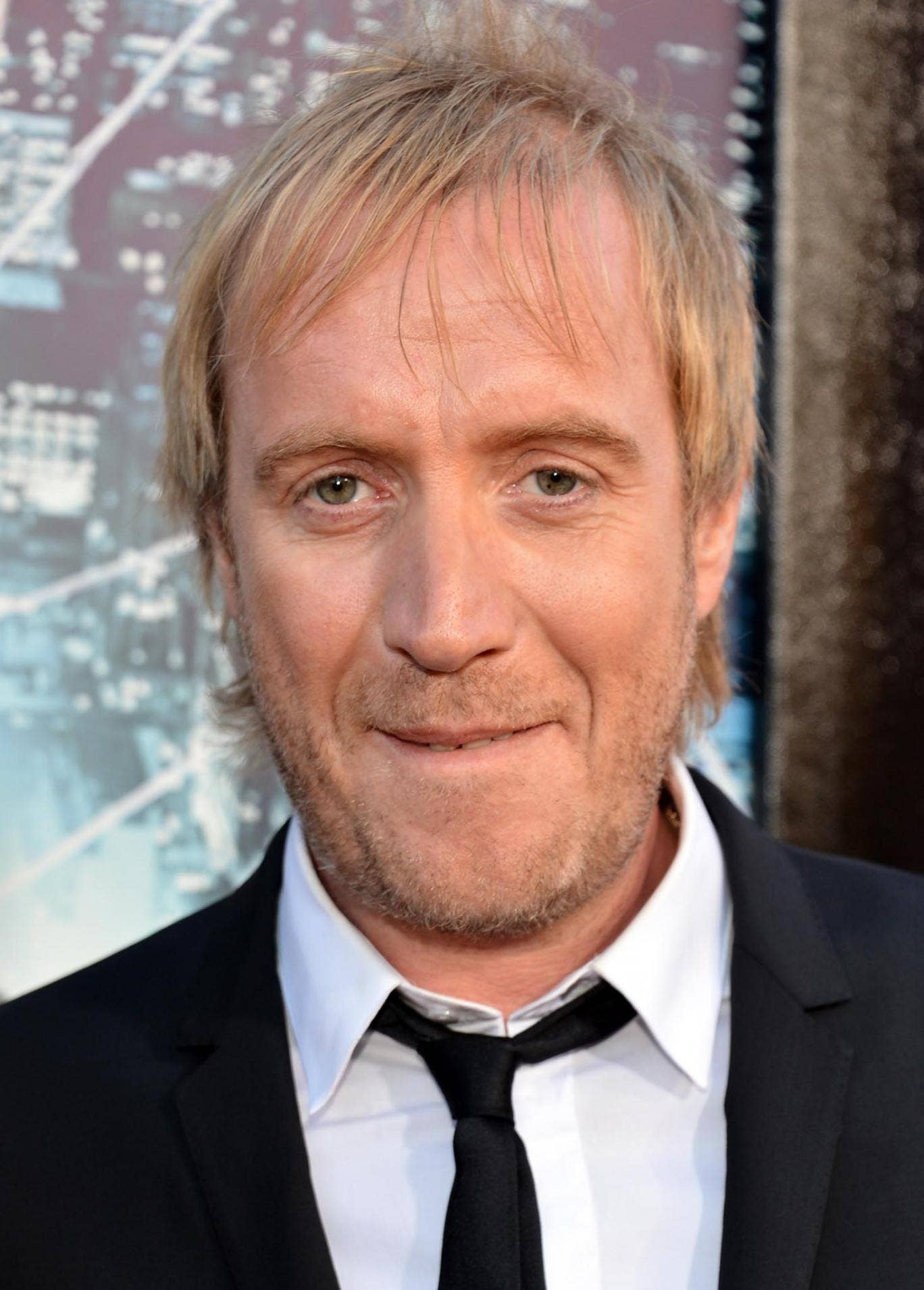 Welsh actor Rhys Ifans is to appear in a one-man show at the National Theatre