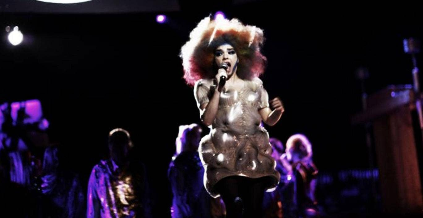 Björk brings her Biophilia tour to an end in a flurry of bubbles and hair