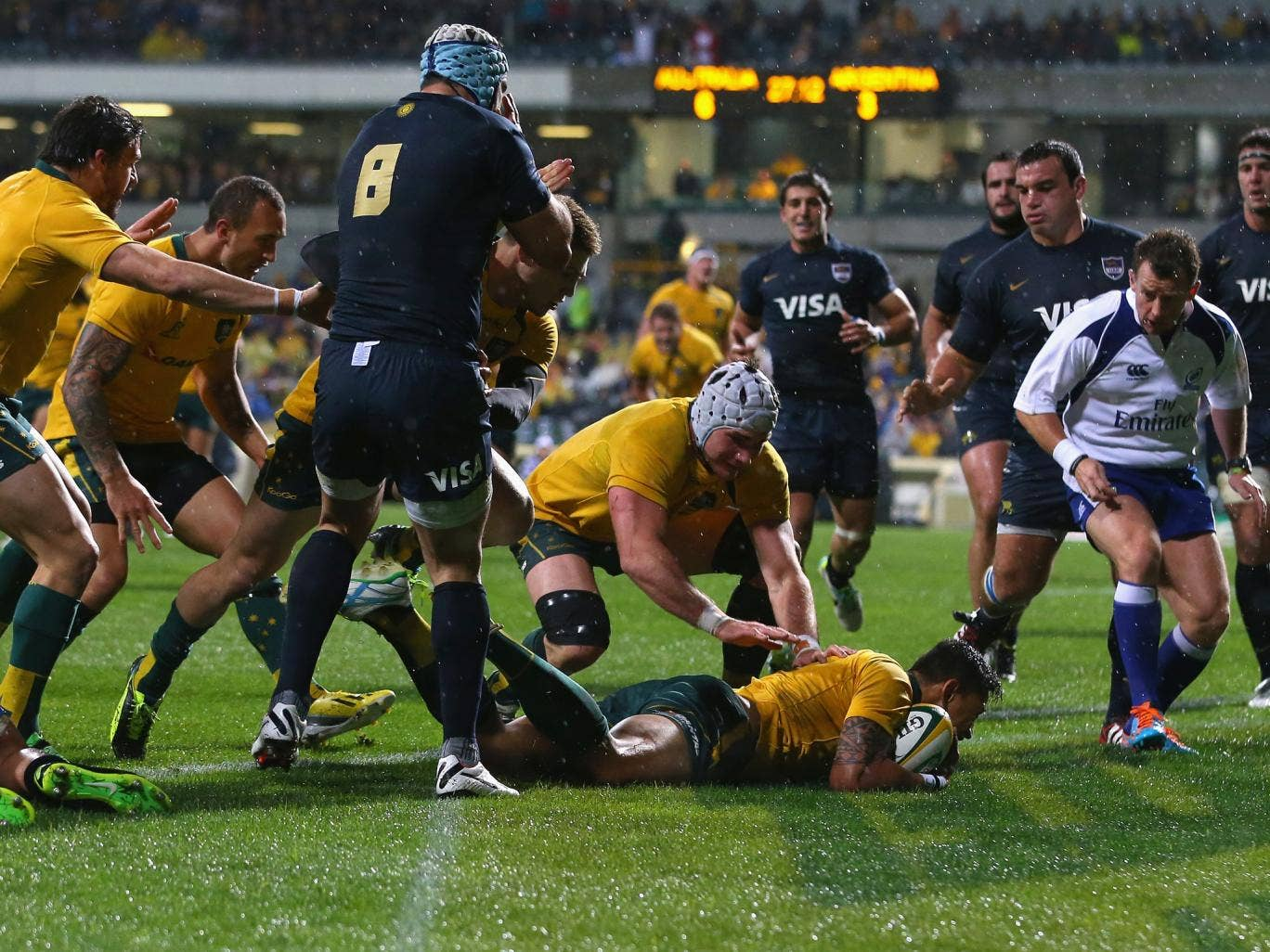 Israel Folau touches down for a try for Australia against Argentina
