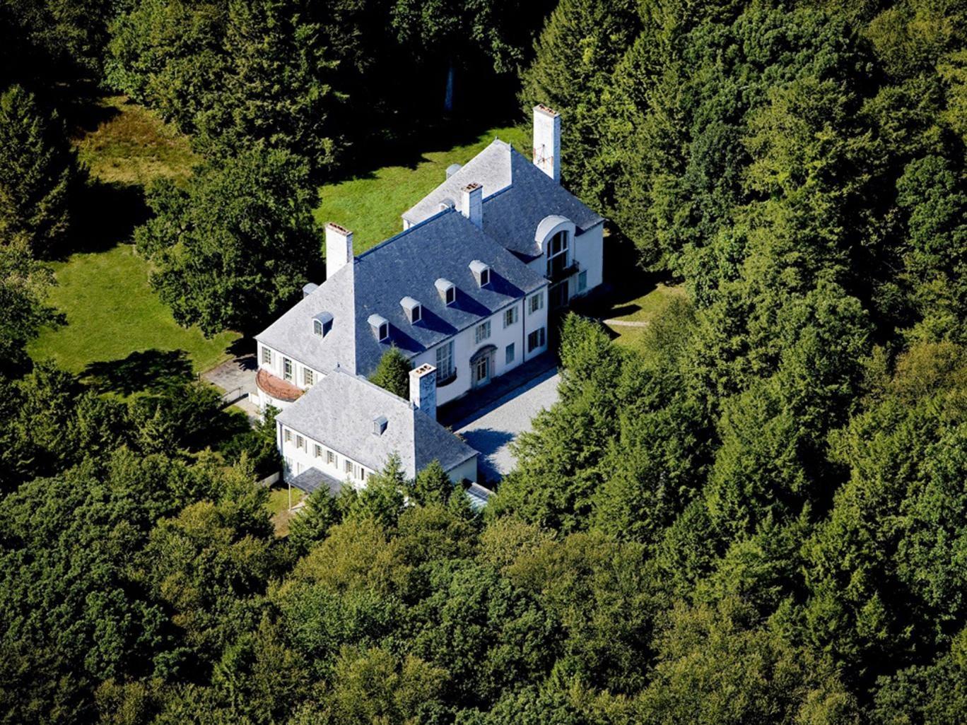 Clark bought this $24m Connecticut estate but left it empty for decades